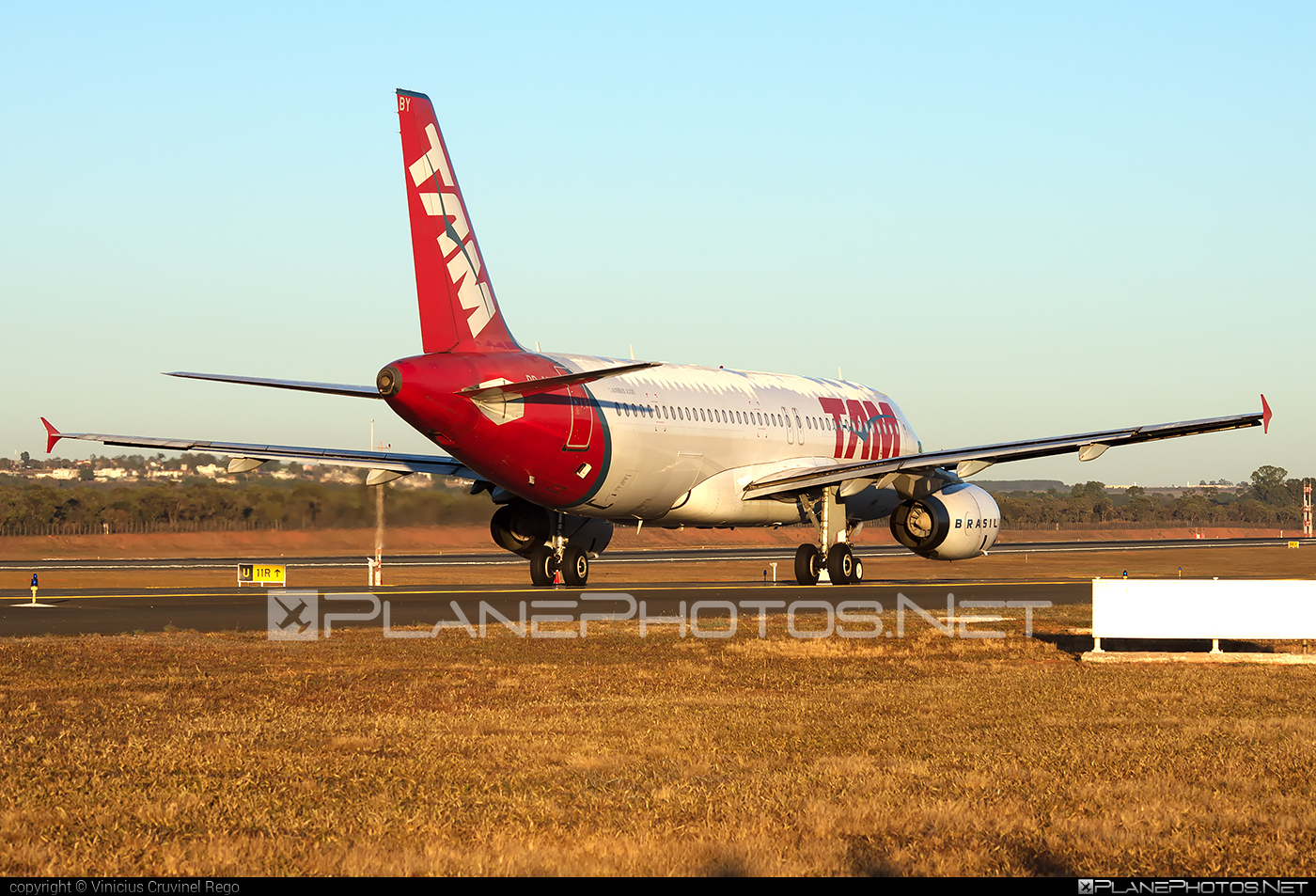 Airbus A320-232 - PR-MBY operated by TAM Linhas Aéreas #a320 #a320family #airbus #airbus320 #tam #tamairlines #tamlinhasaereas