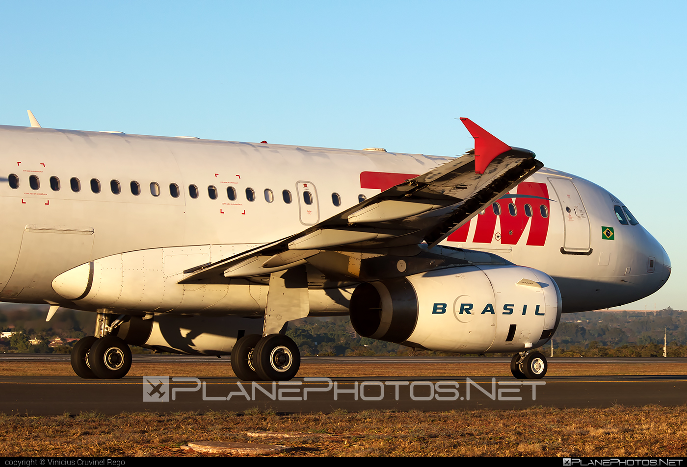 Airbus A319-132 - PR-MAL operated by TAM Linhas Aéreas #a319 #a320family #airbus #airbus319 #tam #tamairlines #tamlinhasaereas