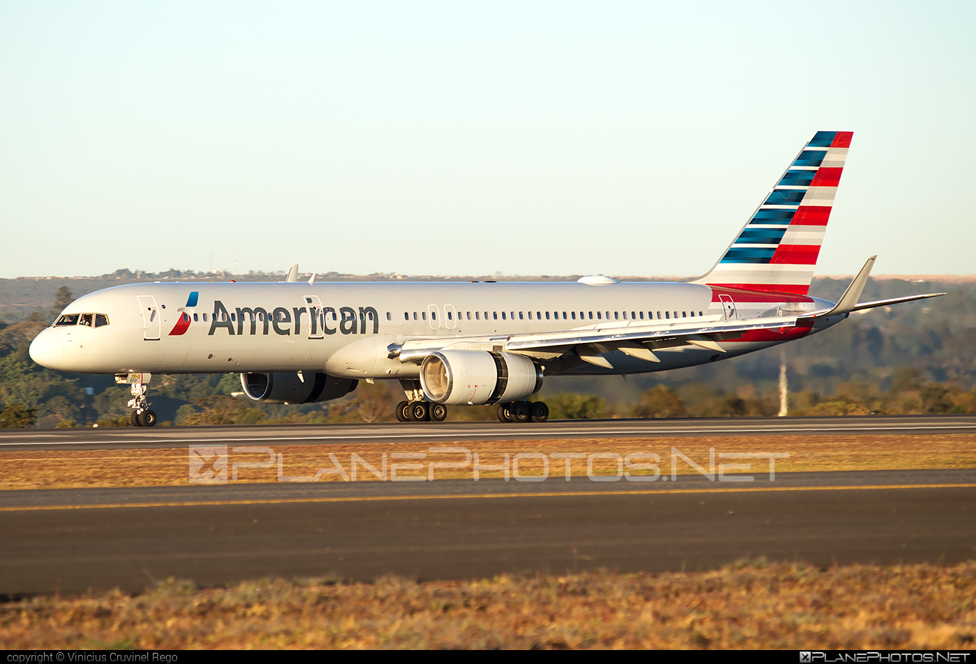 Boeing 757-200 - N194AA operated by American Airlines #americanairlines #b757 #boeing #boeing757