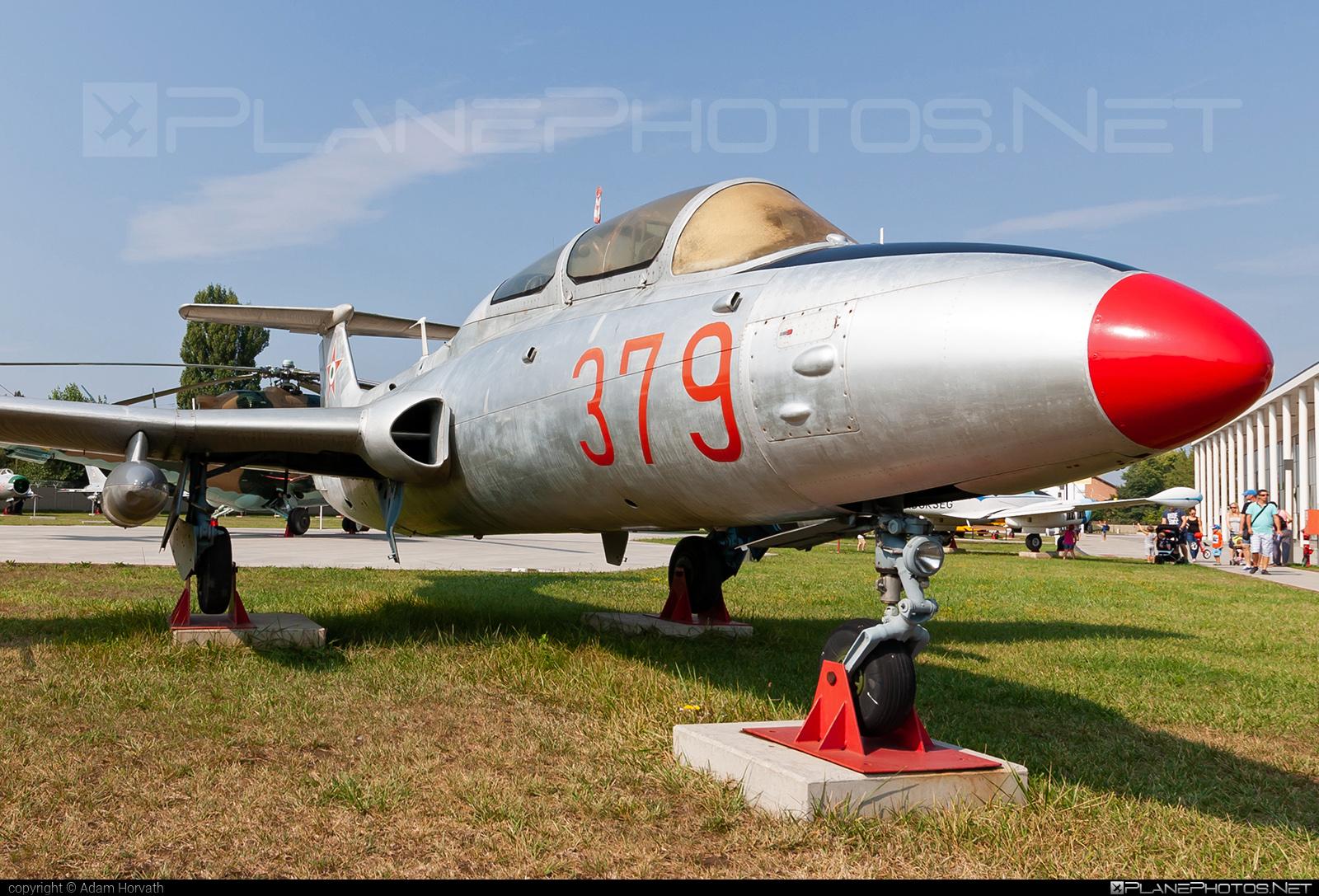 Aero L-29 Delfin - 379 operated by Magyar Néphadsereg (Hungarian People's Army) #aero #aerol29 #aerol29delfin #delfin #hungarianpeoplesarmy #l29 #magyarnephadsereg