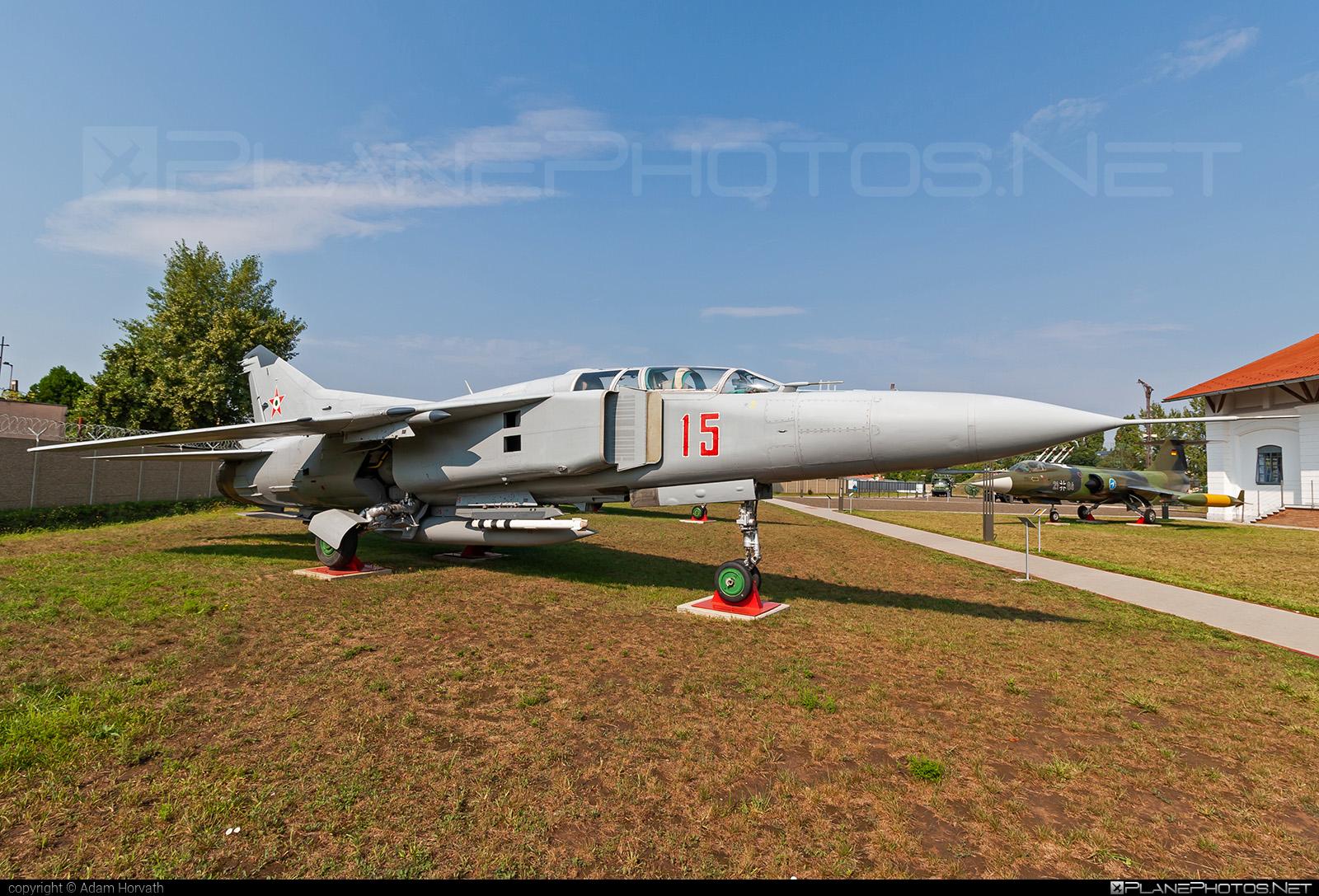 Mikoyan-Gurevich MiG-23UB - 15 operated by Magyar Légierő (Hungarian Air Force) #hungarianairforce #magyarlegiero #mig #mig23 #mig23ub #mikoyangurevich