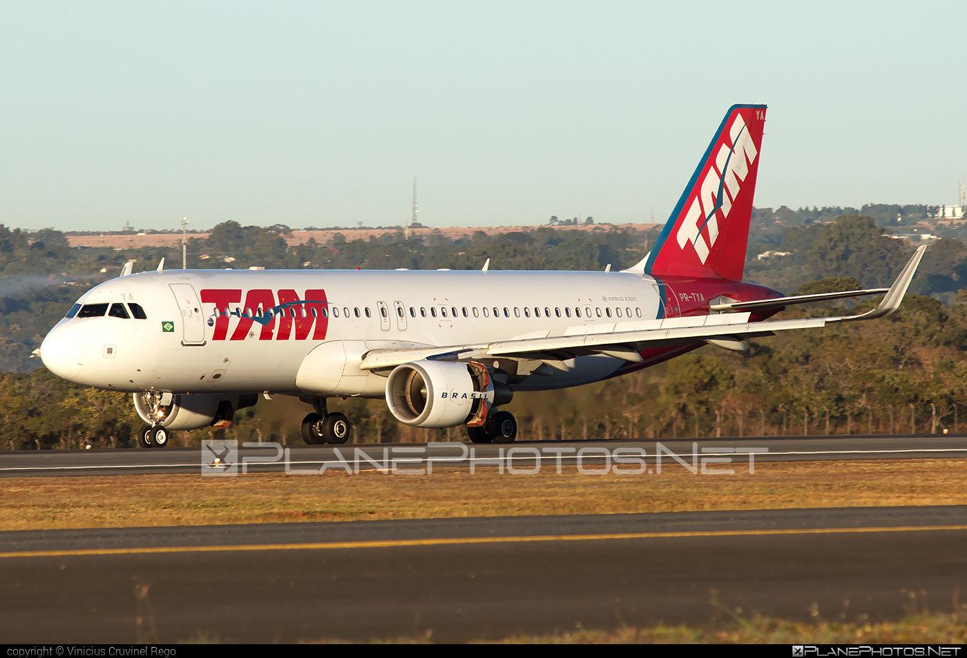 Airbus A320-214 - PR-TYA operated by TAM Linhas Aéreas #a320 #a320family #airbus #airbus320 #tam #tamairlines #tamlinhasaereas