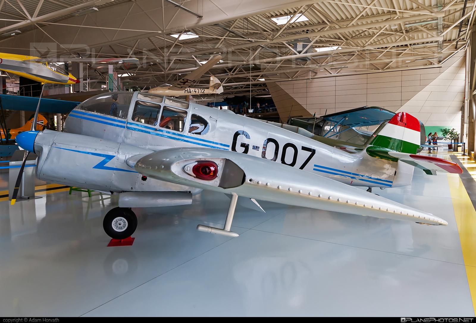 Aero Ae-45S Super - G-007 operated by Magyar Néphadsereg (Hungarian People's Army) #aero #hungarianpeoplesarmy #magyarnephadsereg