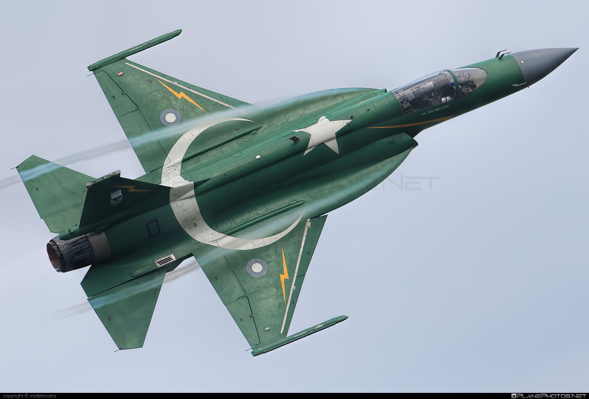 PAC JF-17 Thunder - 12-138 operated by Pakistan Air Force #jf17thunder #pac #pacjf17thunder #pakistanaeronauticalcomplex #pakistanairforce #radomairshow #radomairshow2018