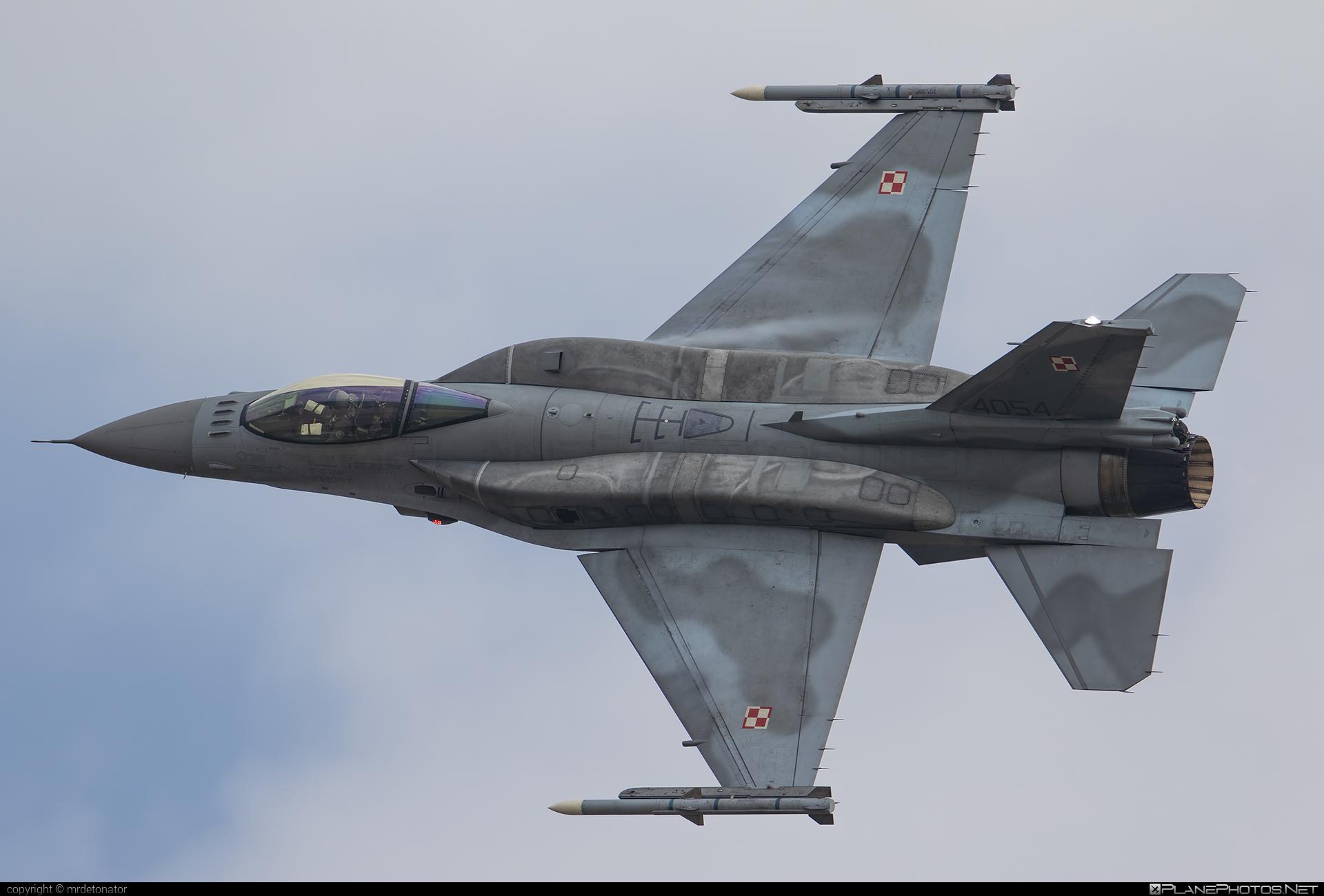 Lockheed Martin F-16CJ Fighting Falcon - 4054 operated by Siły Powietrzne Rzeczypospolitej Polskiej (Polish Air Force) #f16 #f16cj #fightingfalcon #lockheedmartin #polishairforce #siaf2018 #silypowietrzne