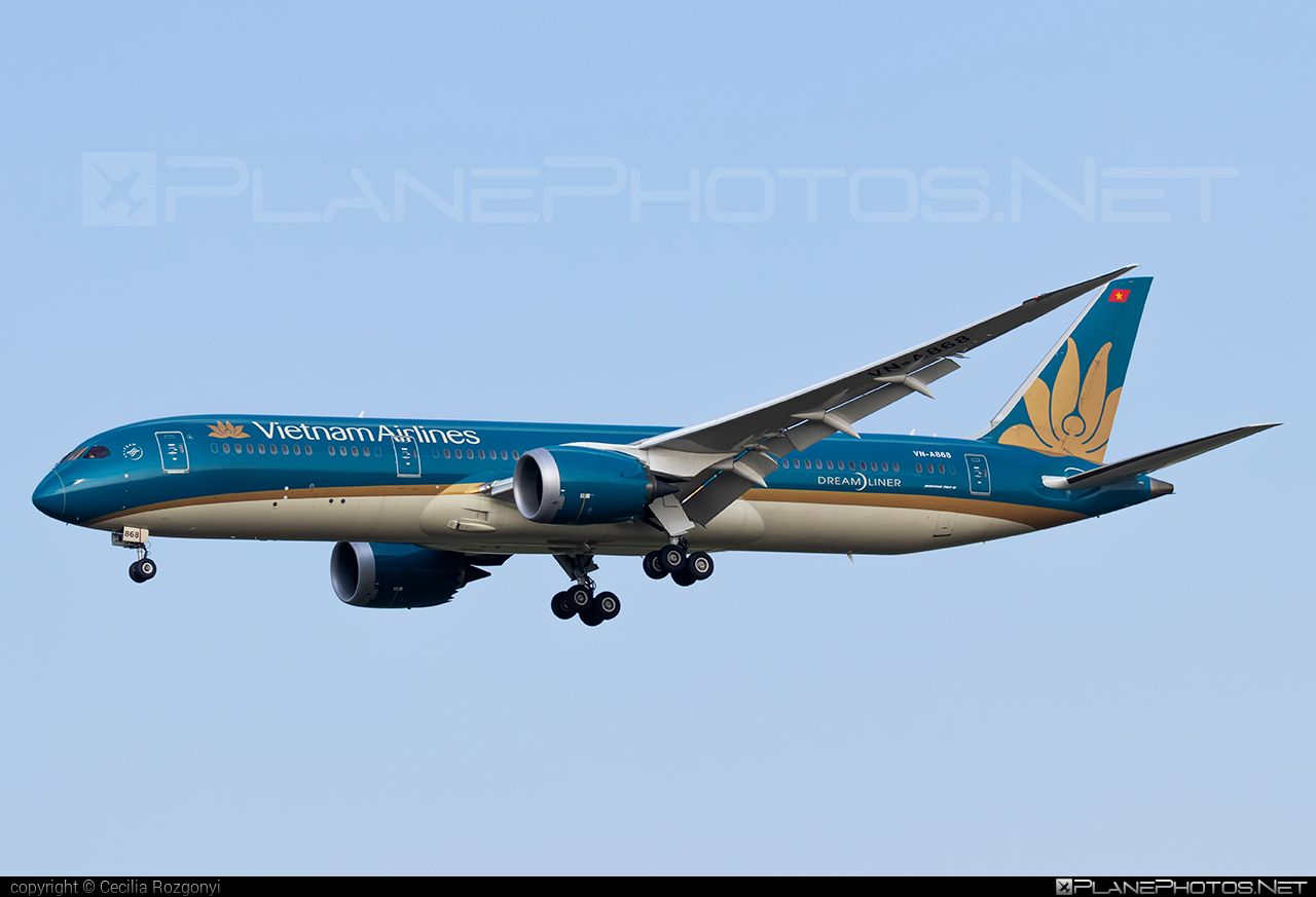 Boeing 787-9 Dreamliner - VN-A868 operated by Vietnam Airlines #b787 #boeing #boeing787 #dreamliner