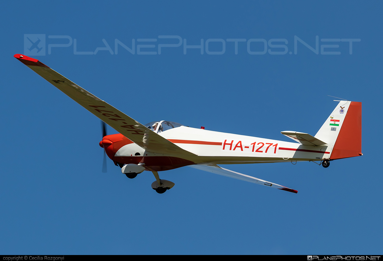 Scheibe SF-25C Falke - HA-1271 operated by Private operator #scheibe #scheibefalke #sf25 #sf25c