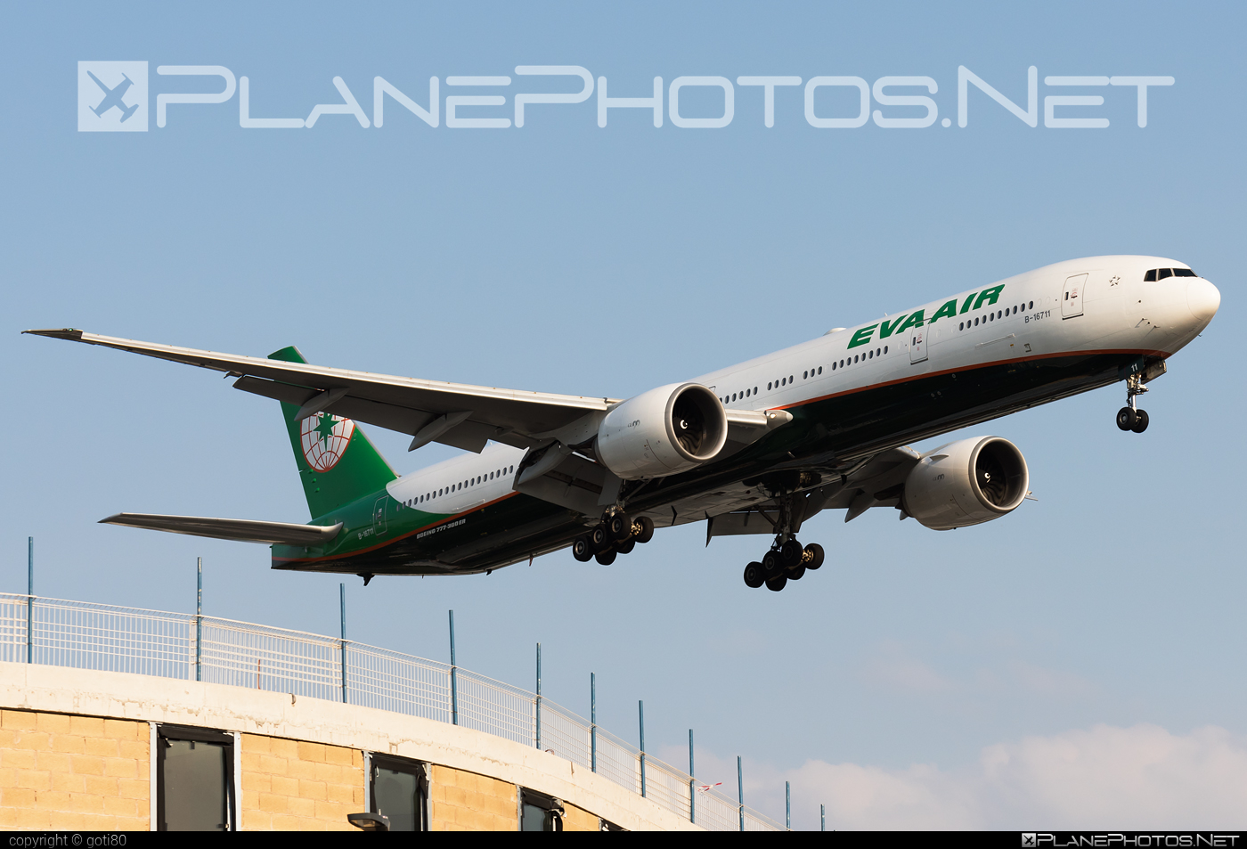 Boeing 777-300ER - B-16711 operated by EVA Air #b777 #b777er #boeing #boeing777 #tripleseven