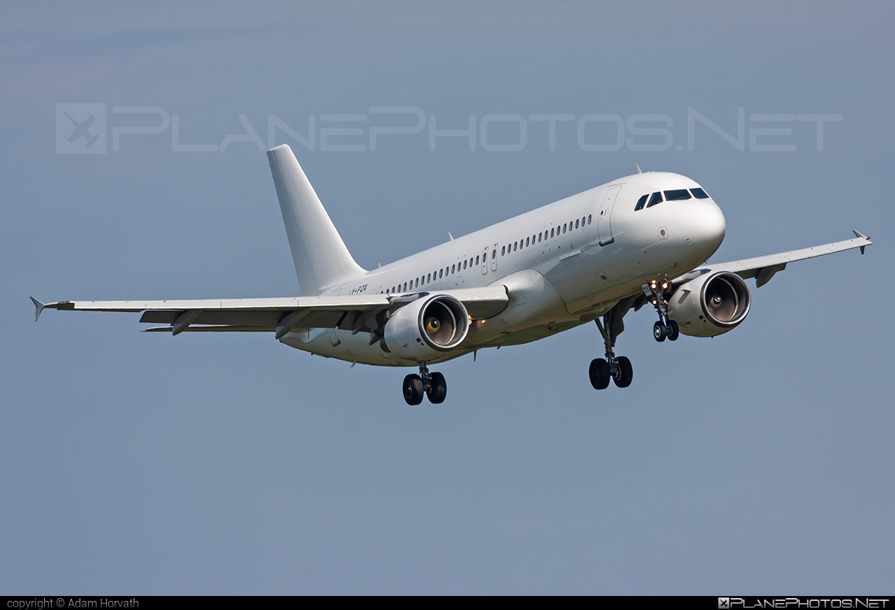 Airbus A320-214 - LY-FOX operated by GETJET Airlines #a320 #a320family #airbus #airbus320 #getjetairlines