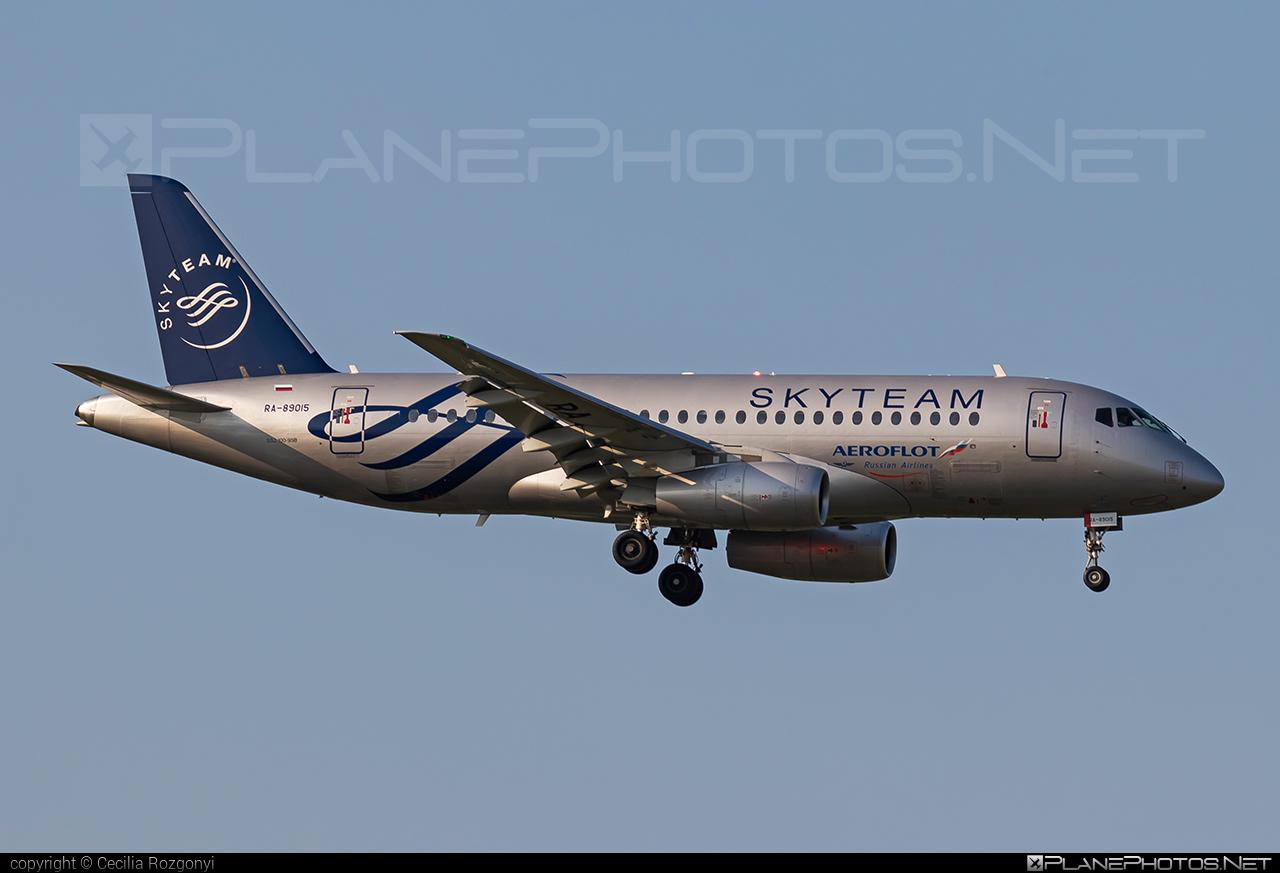 Sukhoi SSJ 100-95B Superjet - RA-89015 operated by Aeroflot #aeroflot #ssj100 #ssj10095b #sukhoi #sukhoisuperjet #superjet