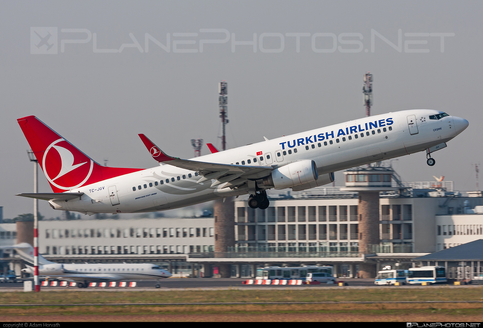 Boeing 737-800 - TC-JGV operated by Turkish Airlines #b737 #b737nextgen #b737ng #boeing #boeing737 #turkishairlines