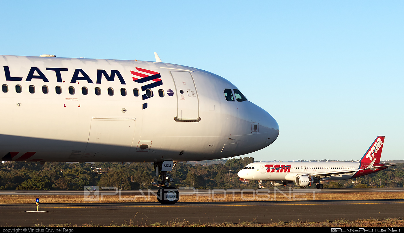 Airbus A321-231 - PT-MXA operated by TAM Linhas Aéreas #a320family #a321 #airbus #airbus321 #tam #tamairlines #tamlinhasaereas