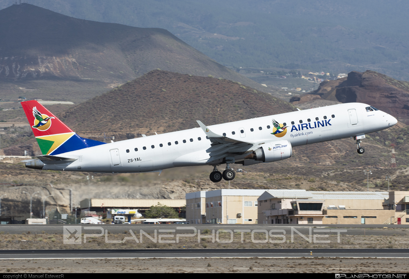 Embraer 190-100IGW - ZS-YAL operated by Airlink #e190 #embraer #embraer190 #embraer190igw