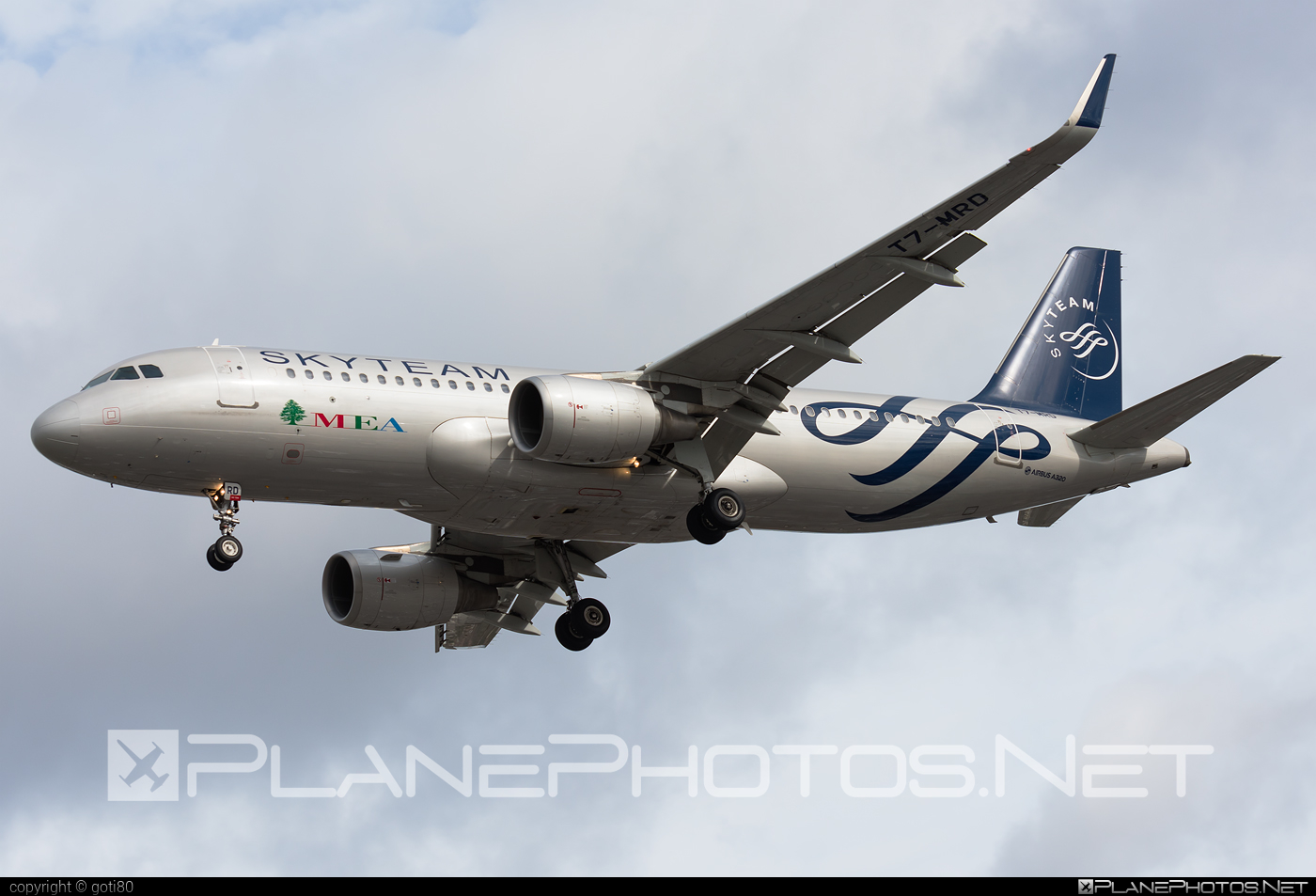Airbus A320-214 - T7-MRD operated by Middle East Airlines (MEA) #a320 #a320family #airbus #airbus320