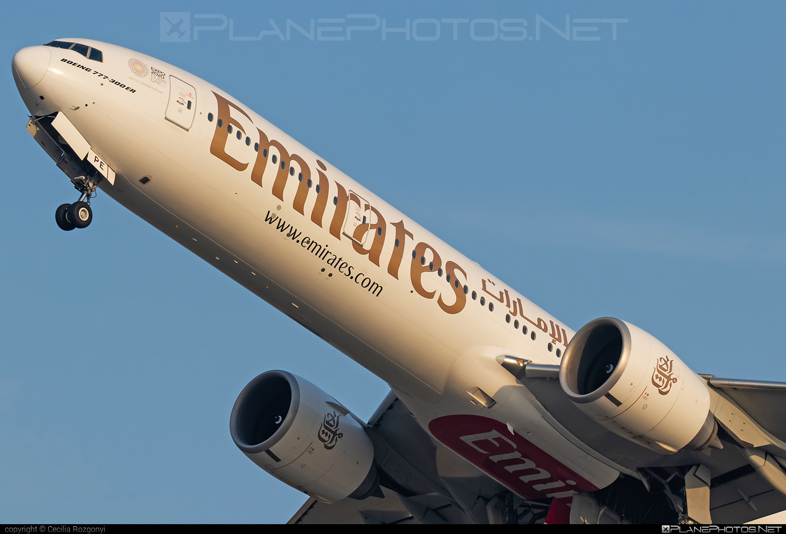 Emirates Boeing 777-300ER - A6-EPE #b777 #b777er #boeing #boeing777 #emirates #tripleseven
