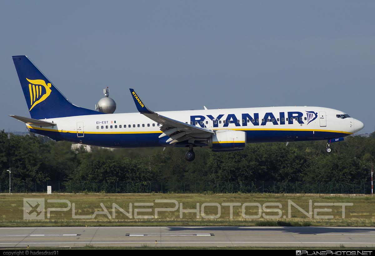 Boeing 737-800 - EI-EST operated by Ryanair #b737 #b737nextgen #b737ng #boeing #boeing737 #ryanair