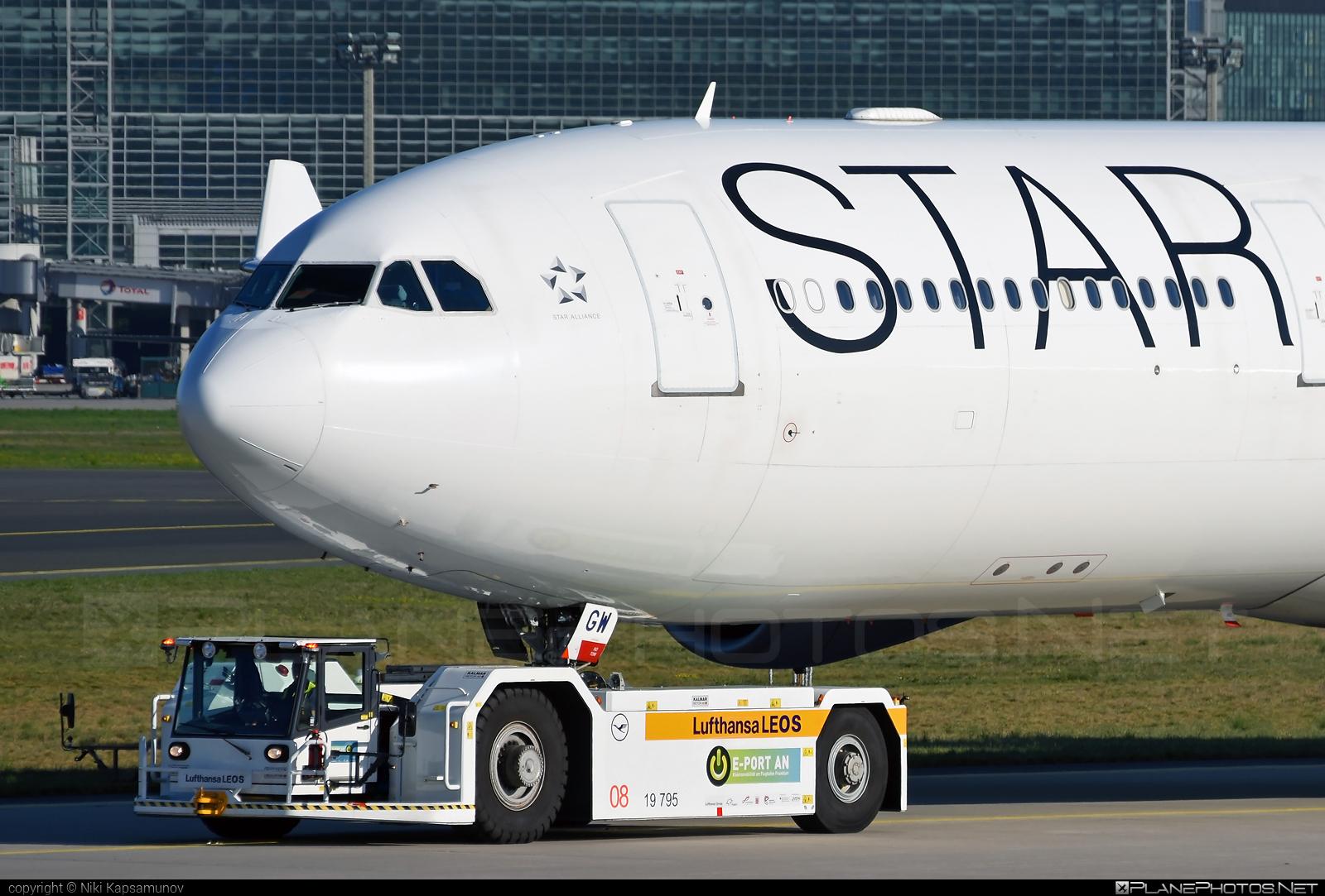 Airbus A340-313E - D-AIGW operated by Lufthansa #a340 #a340family #airbus #airbus340 #lufthansa #staralliance