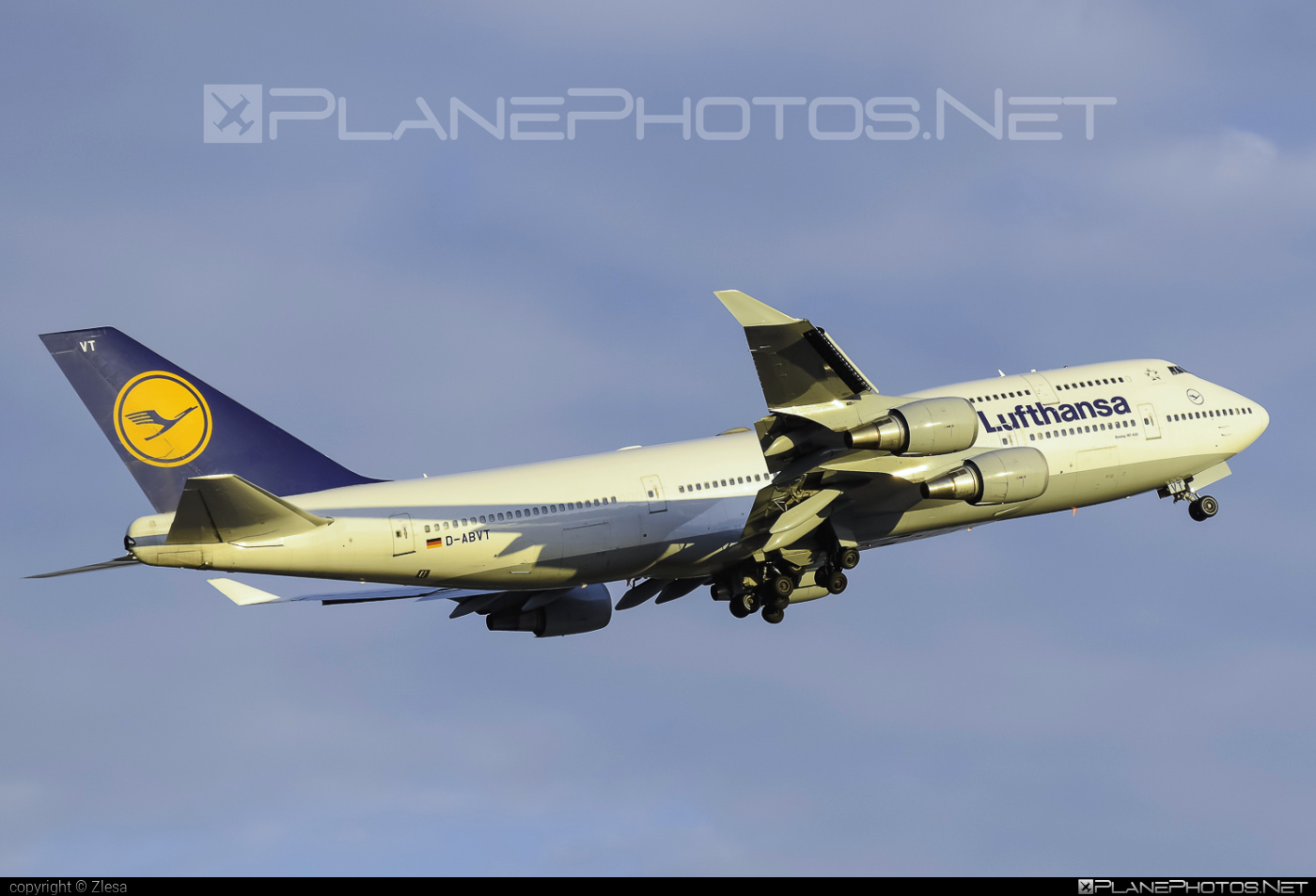 Boeing 747-400 - D-ABVT operated by Lufthansa #b747 #boeing #boeing747 #jumbo #lufthansa