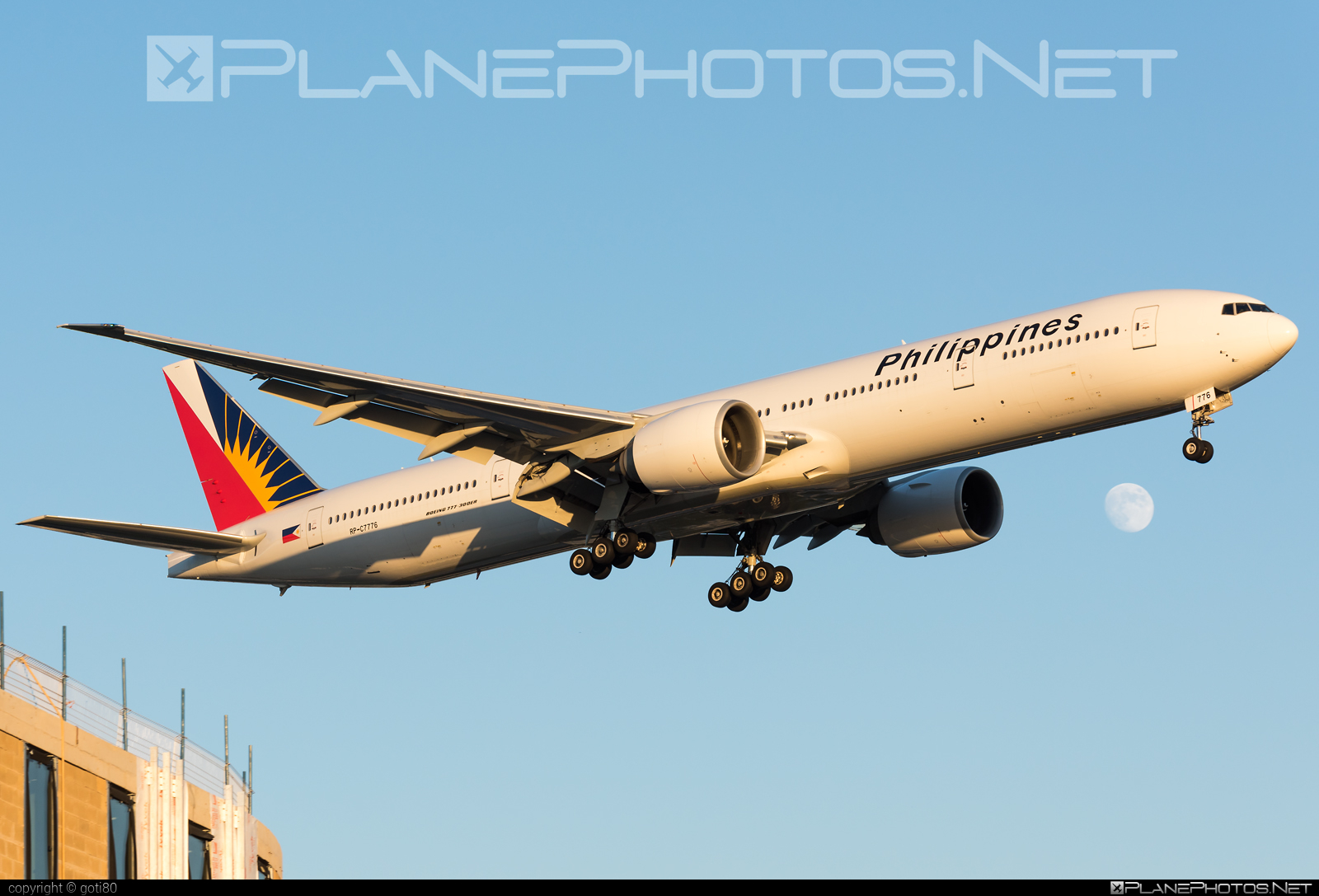 Boeing 777-300ER - RP-C7776 operated by Philippine Airlines #b777 #b777er #boeing #boeing777 #philippineairlines #tripleseven