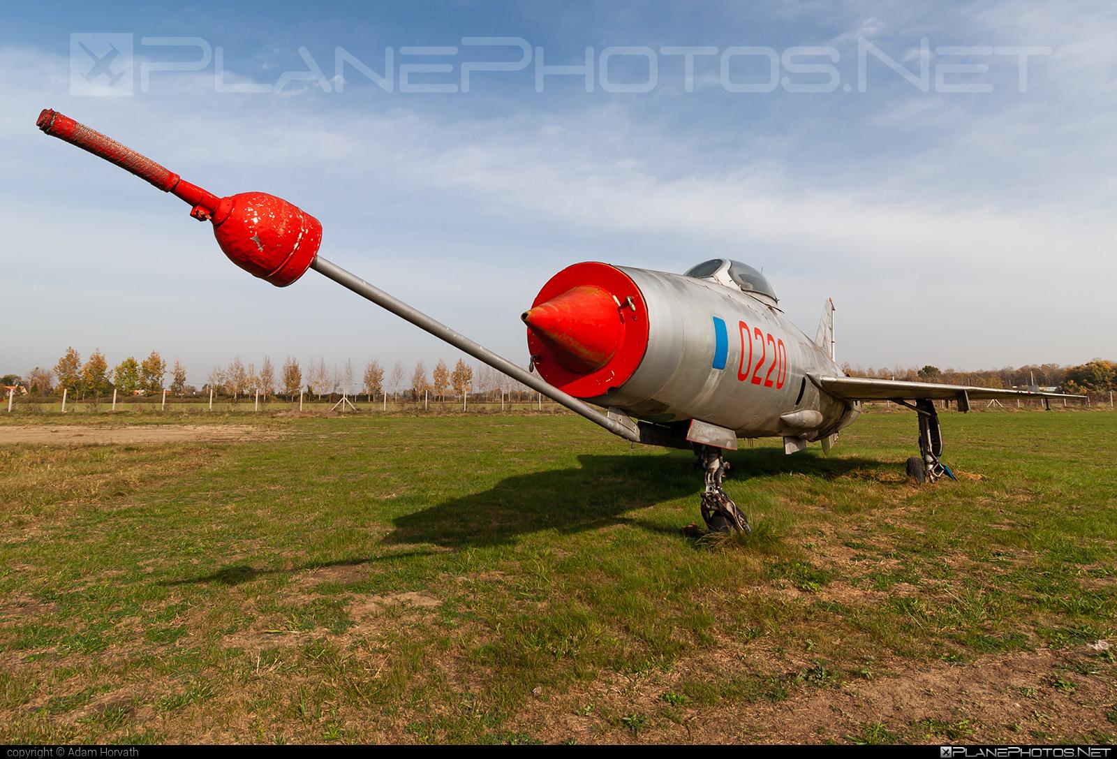 Aero S-106 - 0220 operated by Vzdušné síly AČR (Czech Air Force) #aero #aeros106 #czechairforce #mig21 #mig21f13 #vzdusnesilyacr