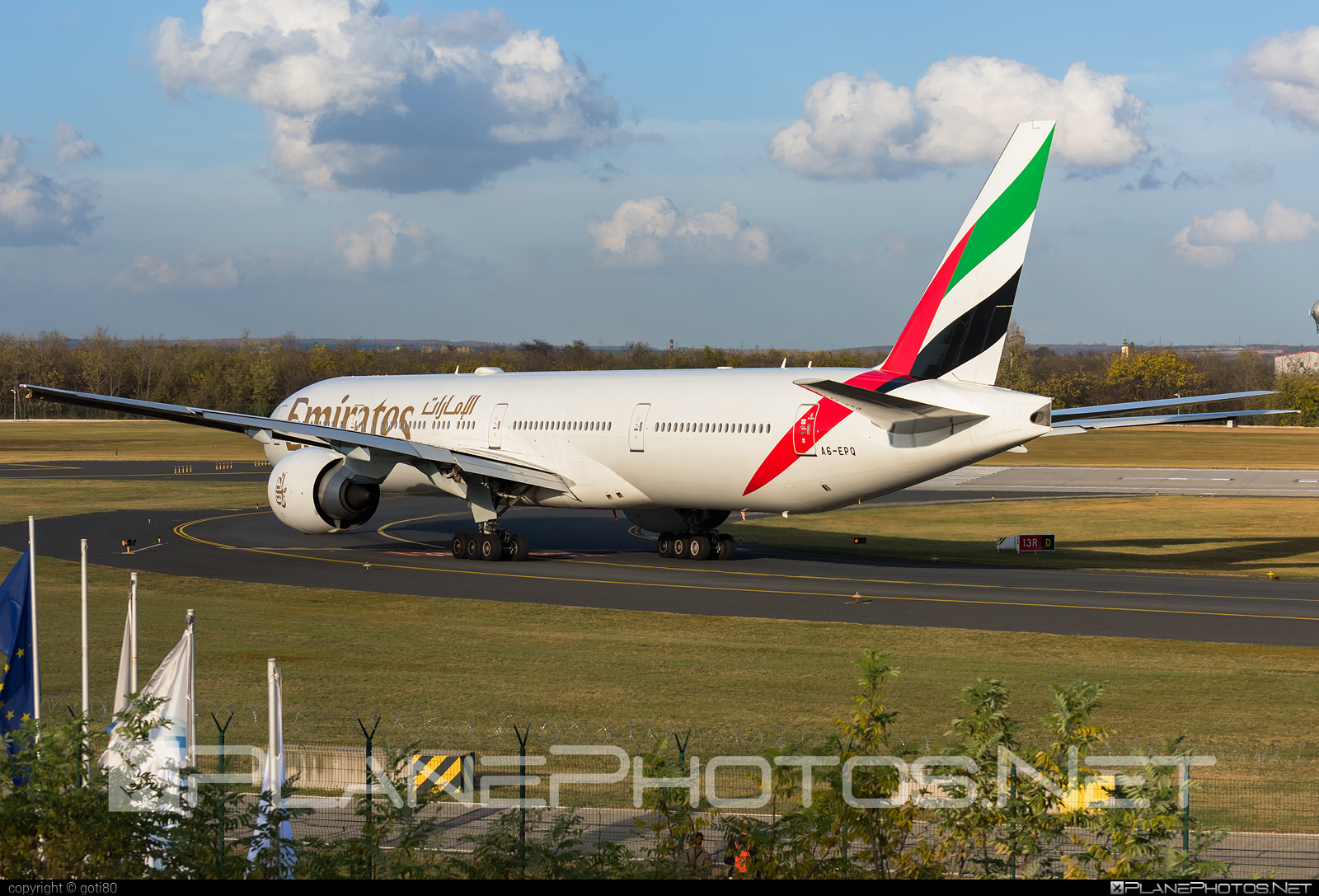 Boeing 777-300ER - A6-EPQ operated by Emirates #b777 #b777er #boeing #boeing777 #emirates #tripleseven