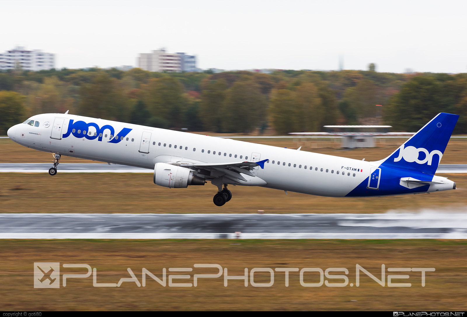 Airbus A321-211 - F-GTAM operated by Joon #a320family #a321 #airbus #airbus321 #joon