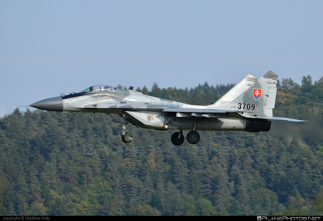 Mikoyan-Gurevich MiG-29AS - 3709 operated by Vzdušné sily OS SR (Slovak Air Force) #mig #mig29 #mig29as #mikoyangurevich #slovakairforce #vzdusnesilyossr