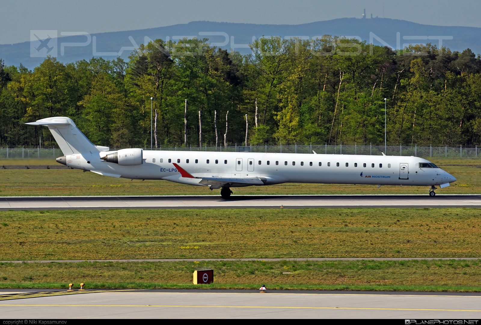Bombardier CRJ1000 - EC-LPG operated by Air Nostrum #airnostrum #bombardier #crj1000