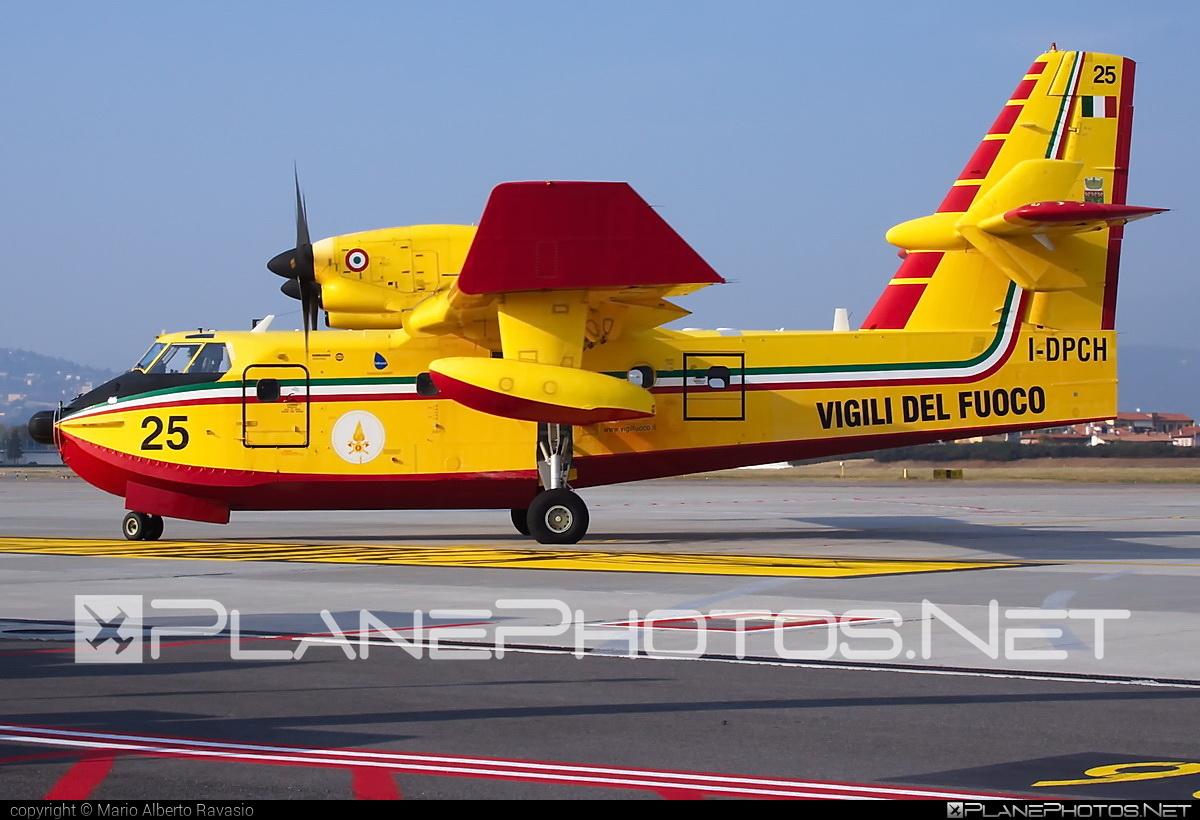 Bombardier CL-415 - I-DPCH operated by Corpo nazionale dei vigili del Fuoco (Italian National Firefighters Corps) #bombardier #bombardier415 #bombardiercl415 #cl415 #corponazionaledeivigilidelfuoco #italiannationalfirefighterscorps #vigilidelfuoco