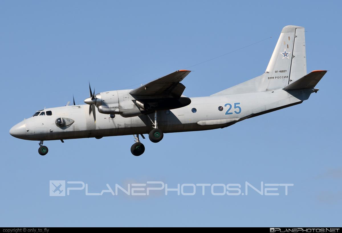 Antonov An-26 - RF-46897 operated by Voyenno-morskoy flot Rossii (Russian Navy) #an26 #antonov #antonov26