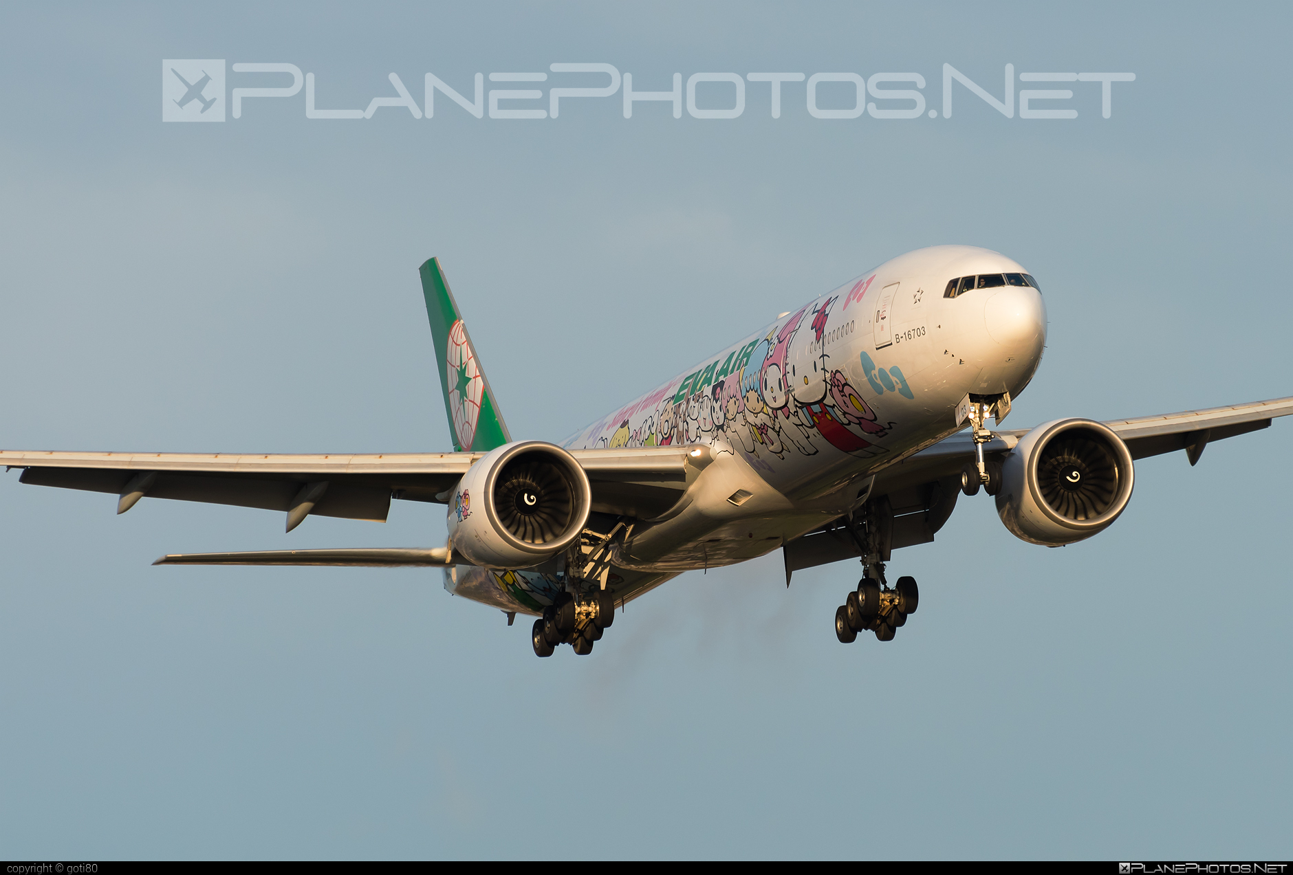 Boeing 777-300ER - B-16703 operated by EVA Air #b777 #b777er #boeing #boeing777 #tripleseven