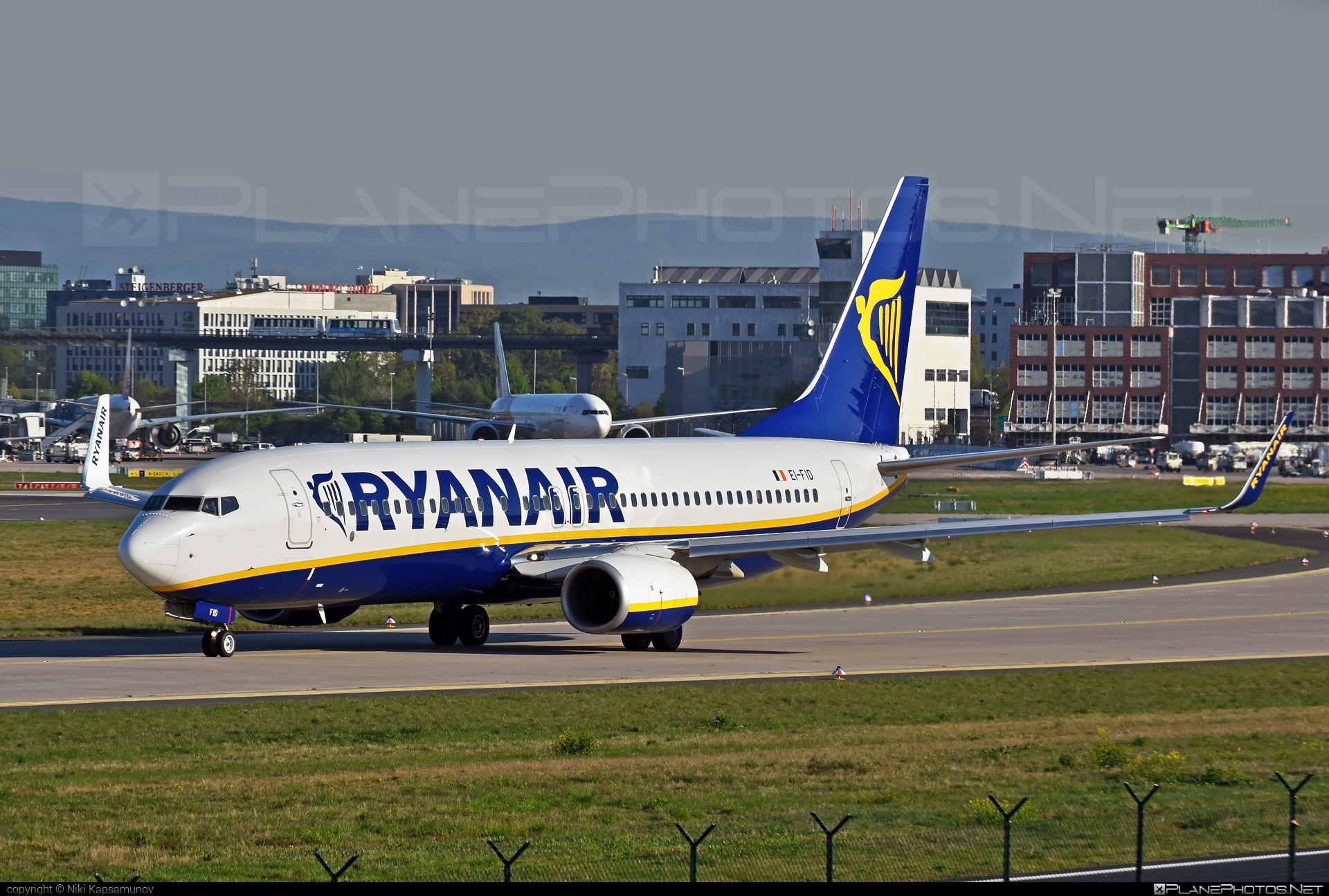 Boeing 737-800 - EI-FID operated by Ryanair #b737 #b737nextgen #b737ng #boeing #boeing737 #ryanair