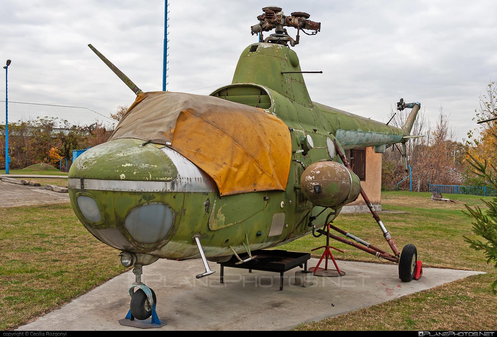 PZL-Świdnik SM-1 - 033 operated by Magyar Néphadsereg (Hungarian People's Army) #hungarianpeoplesarmy #magyarnephadsereg #pzl #pzlswidnik