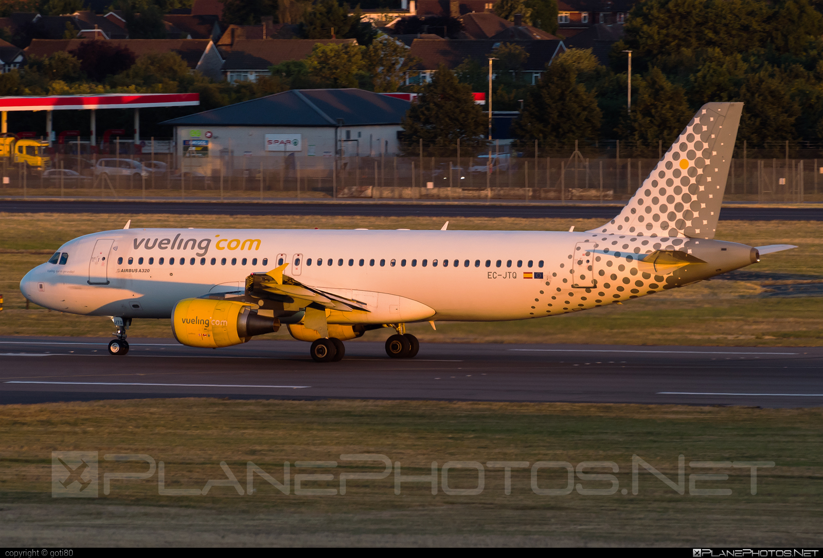 Airbus A320-214 - EC-JTQ operated by Vueling Airlines #a320 #a320family #airbus #airbus320 #vueling #vuelingairlines