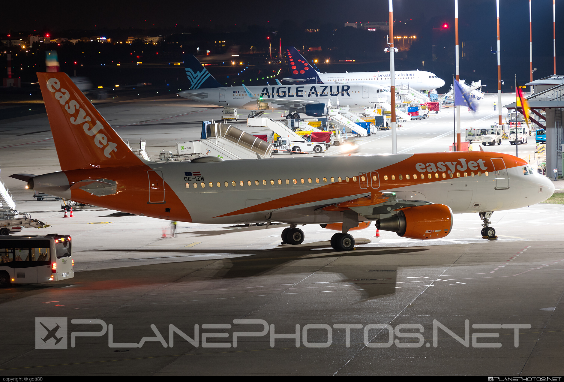 Airbus A320-214 - OE-IZW operated by easyJet Europe #a320 #a320family #airbus #airbus320 #easyjet #easyjeteurope