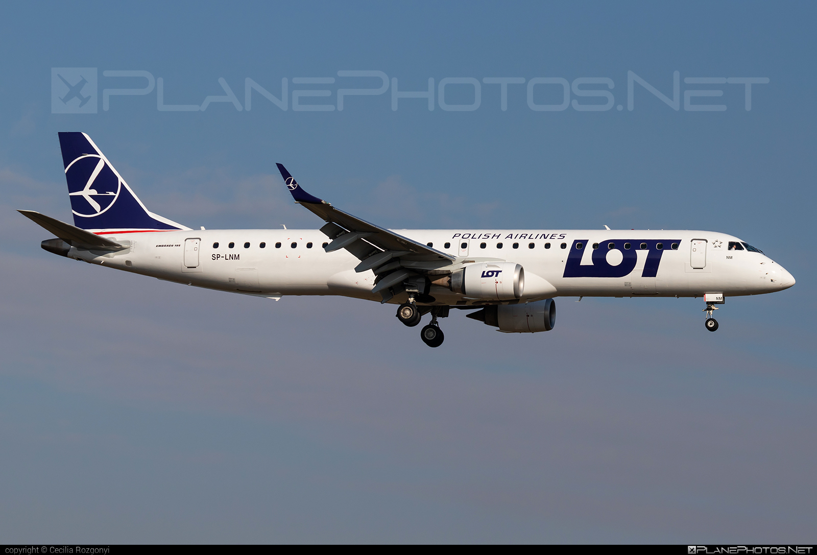 Embraer E195IGW (ERJ-190-200IGW) - SP-LNM operated by LOT Polish Airlines #e190 #e190200 #e190200igw #e195igw #embraer #embraer190200igw #embraer195 #embraer195igw #lot #lotpolishairlines