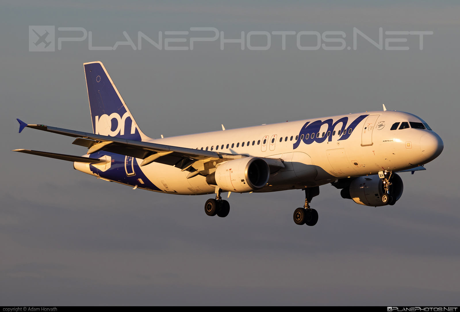 Airbus A320-214 - F-GKXH operated by Joon #a320 #a320family #airbus #airbus320 #joon
