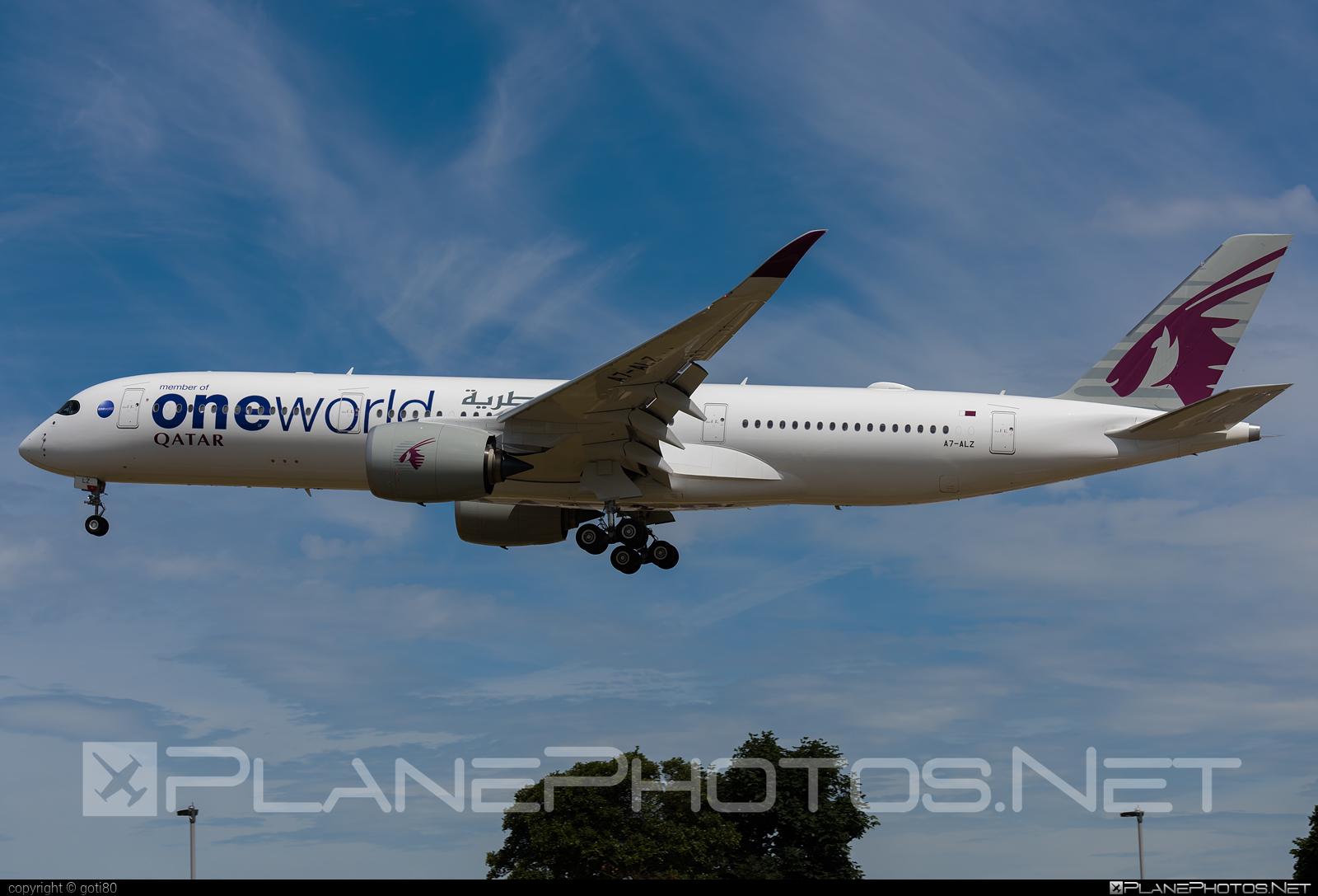 Airbus A350-941 - A7-ALZ operated by Qatar Airways #a350 #a350family #airbus #airbus350 #oneworld #qatarairways #xwb