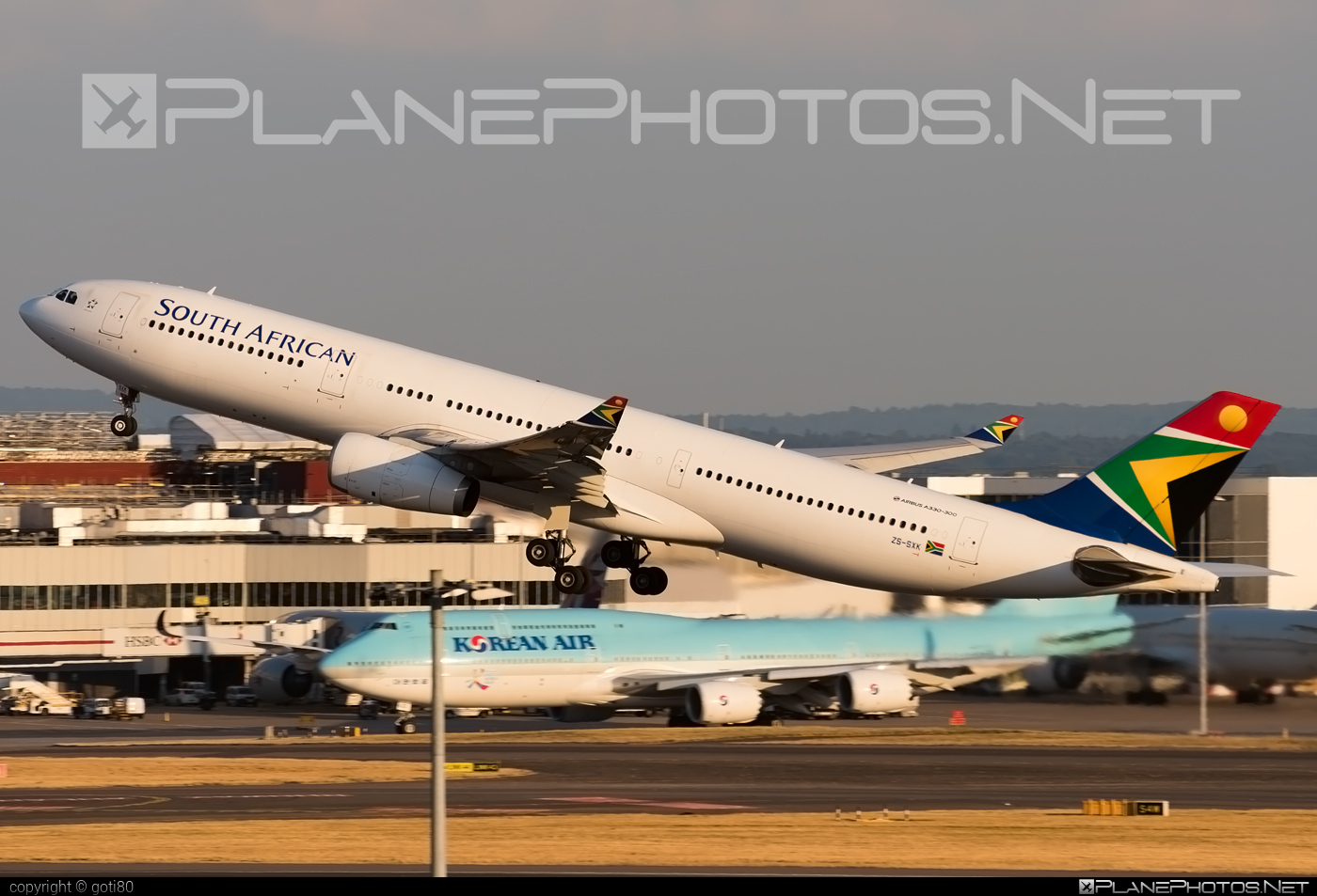 Airbus A330-343E - ZS-SXK operated by South African Airways #a330 #a330e #a330family #airbus #airbus330