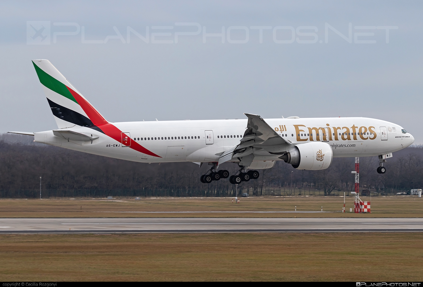Boeing 777-200LR - A6-EWJ operated by Emirates #b777 #b777lr #boeing #boeing777 #emirates #tripleseven