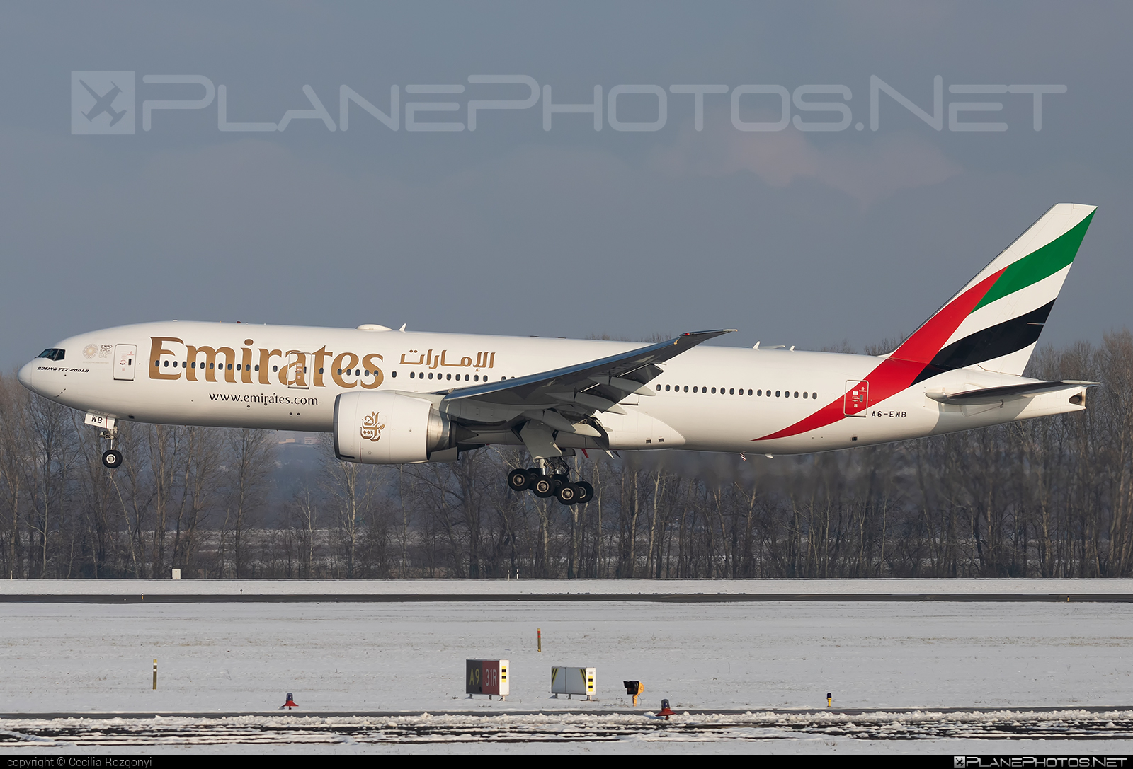 Boeing 777-200LR - A6-EWB operated by Emirates #b777 #b777lr #boeing #boeing777 #emirates #tripleseven
