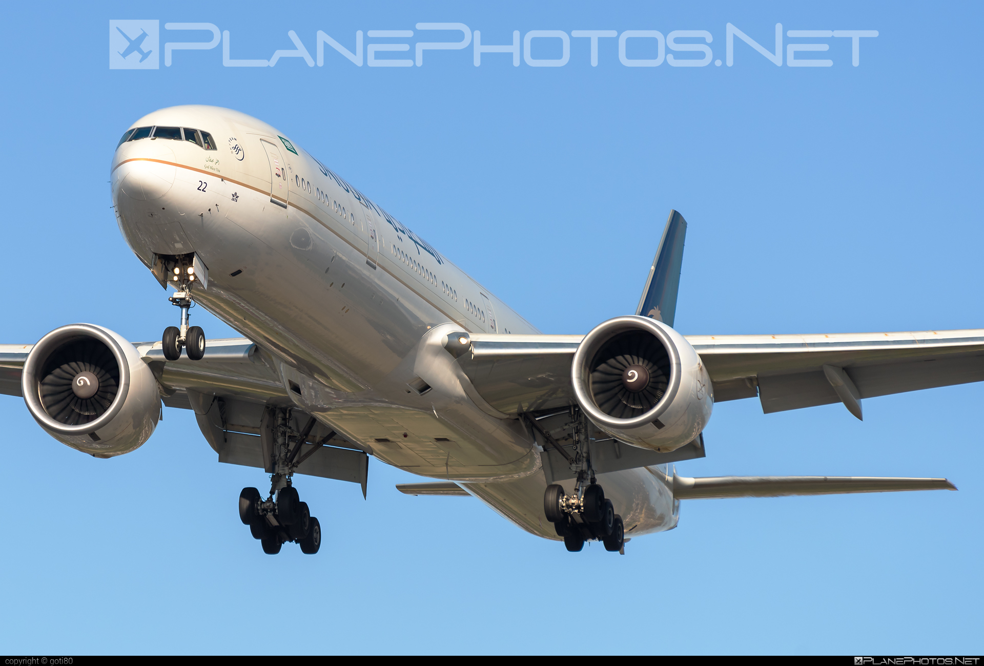 Boeing 777-300ER - HZ-AK22 operated by Saudi Arabian Airlines #b777 #b777er #boeing #boeing777 #tripleseven