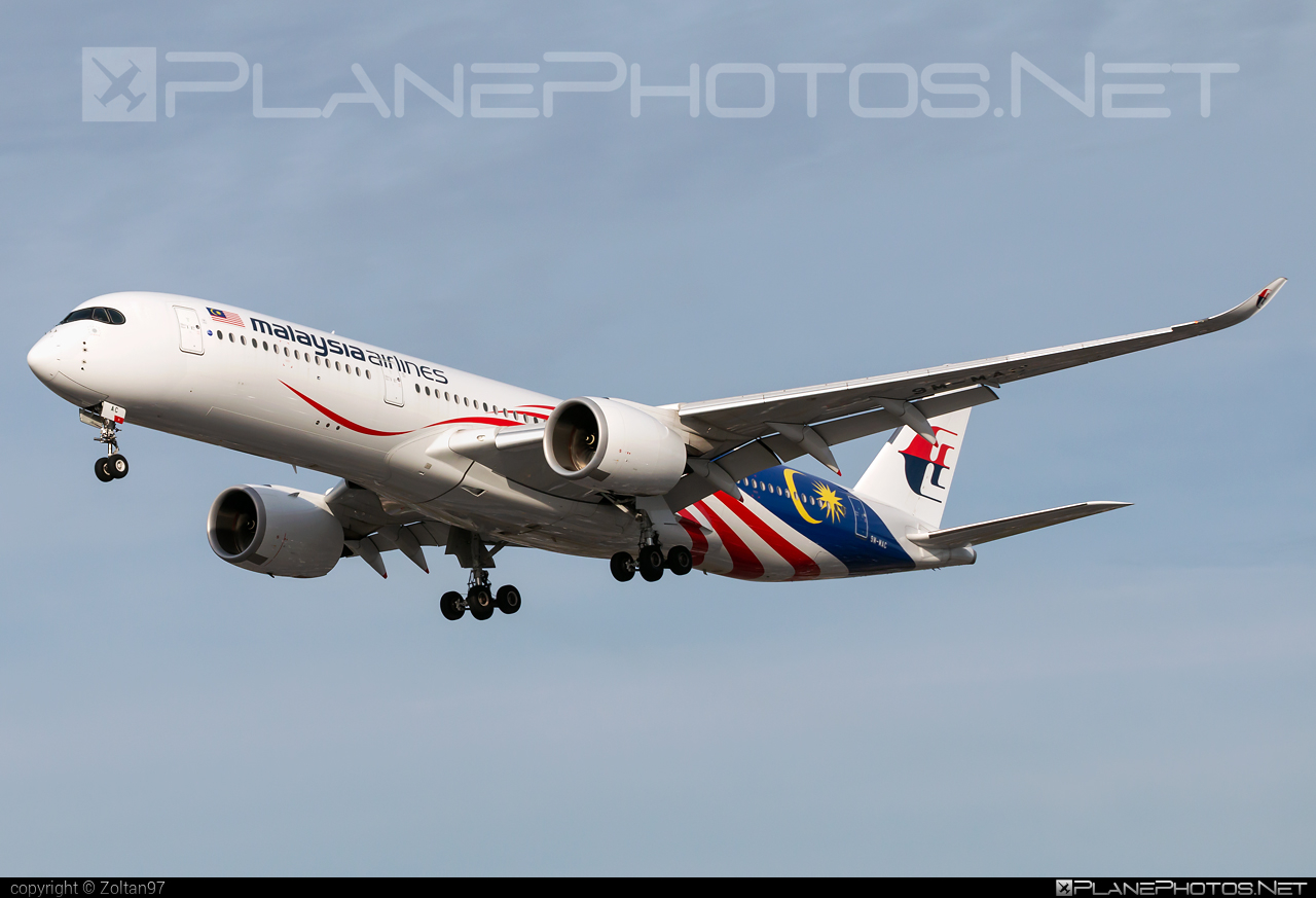 Airbus A350-941 - 9M-MAC operated by Malaysia Airlines #a350 #a350family #airbus #airbus350 #malaysiaairlines #xwb