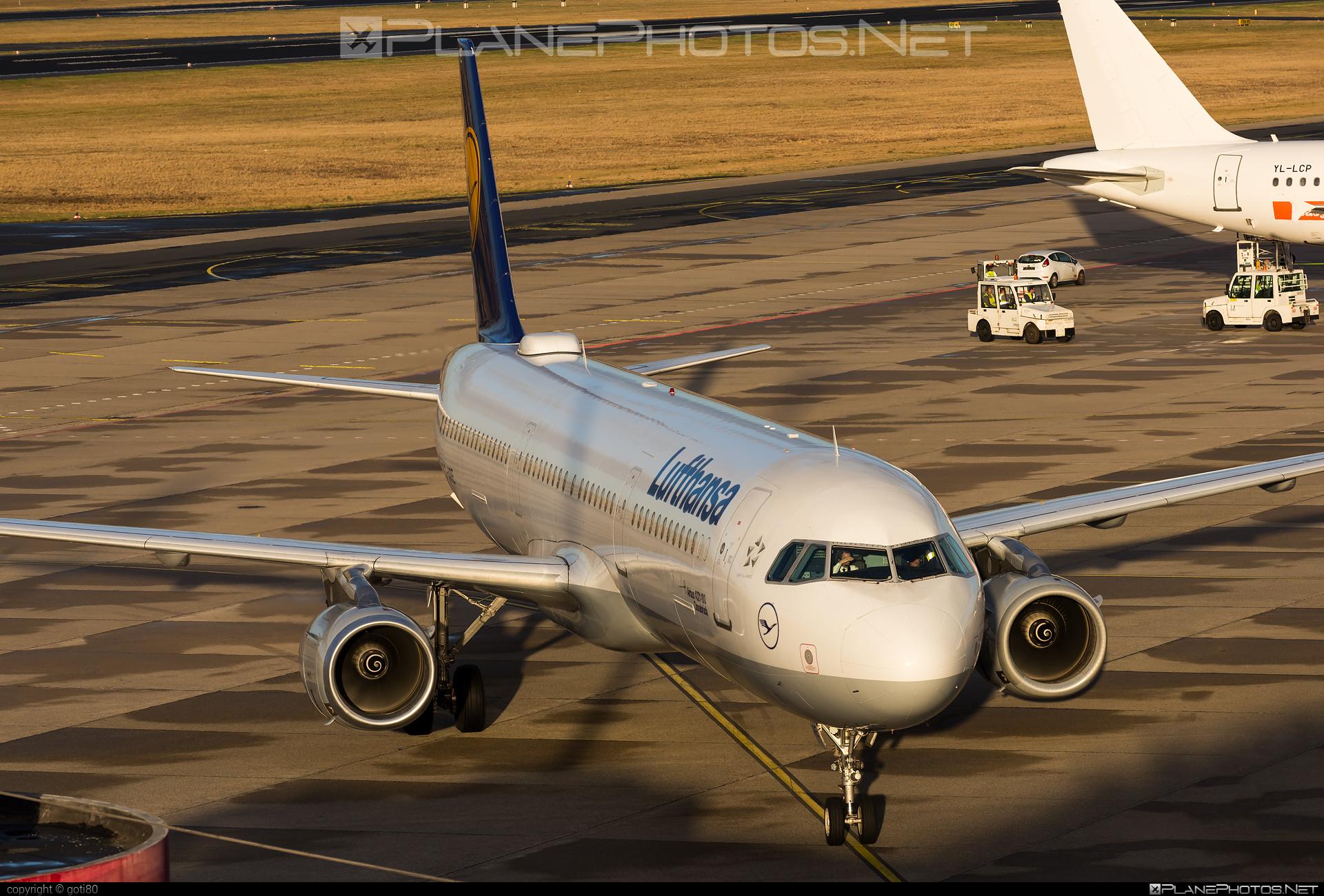 Lufthansa Airbus A321-131 - D-AIRE #a320family #a321 #airbus #airbus321 #lufthansa