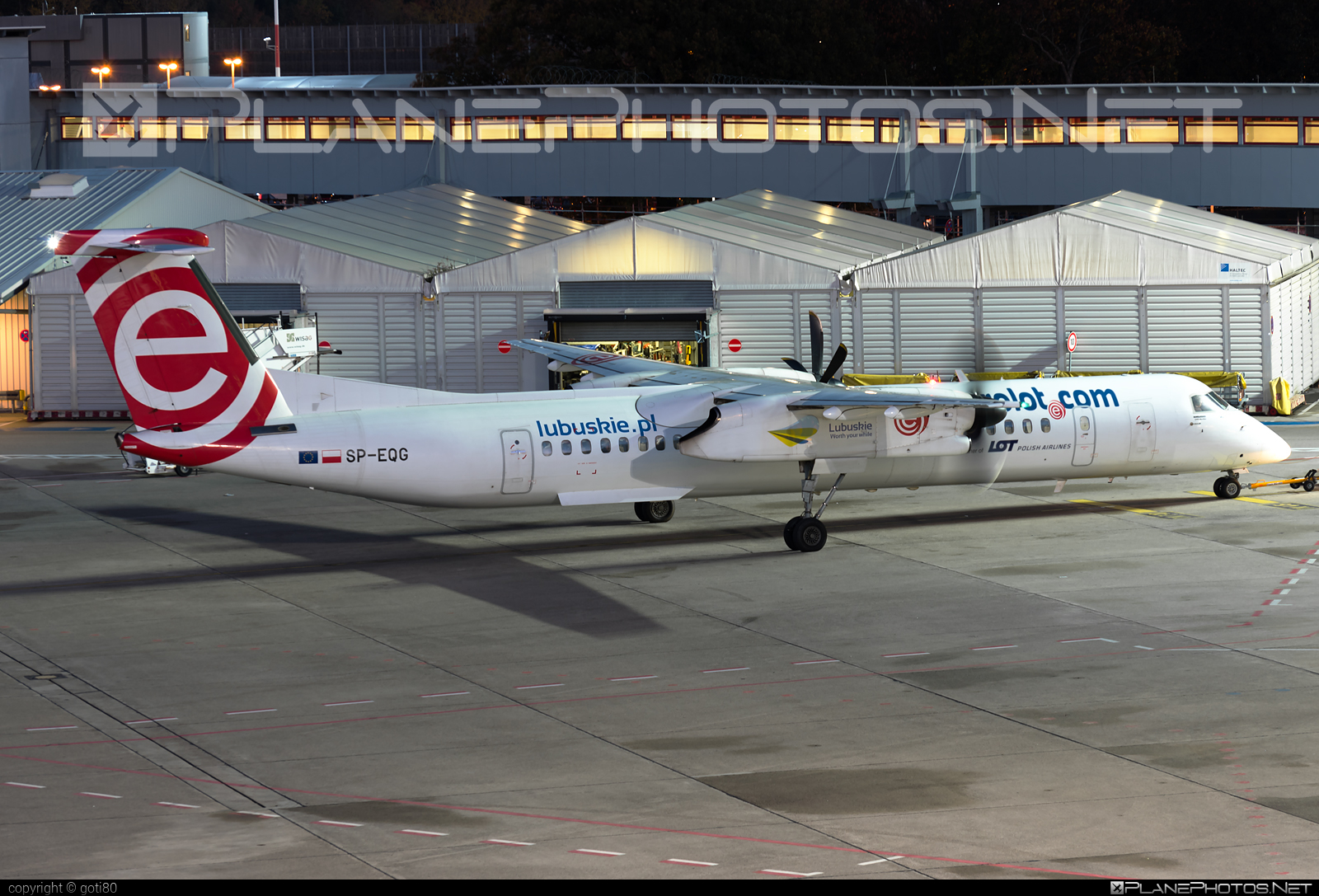 Bombardier DHC-8-Q402 Dash 8 - SP-EQG operated by EuroLOT #bombardier