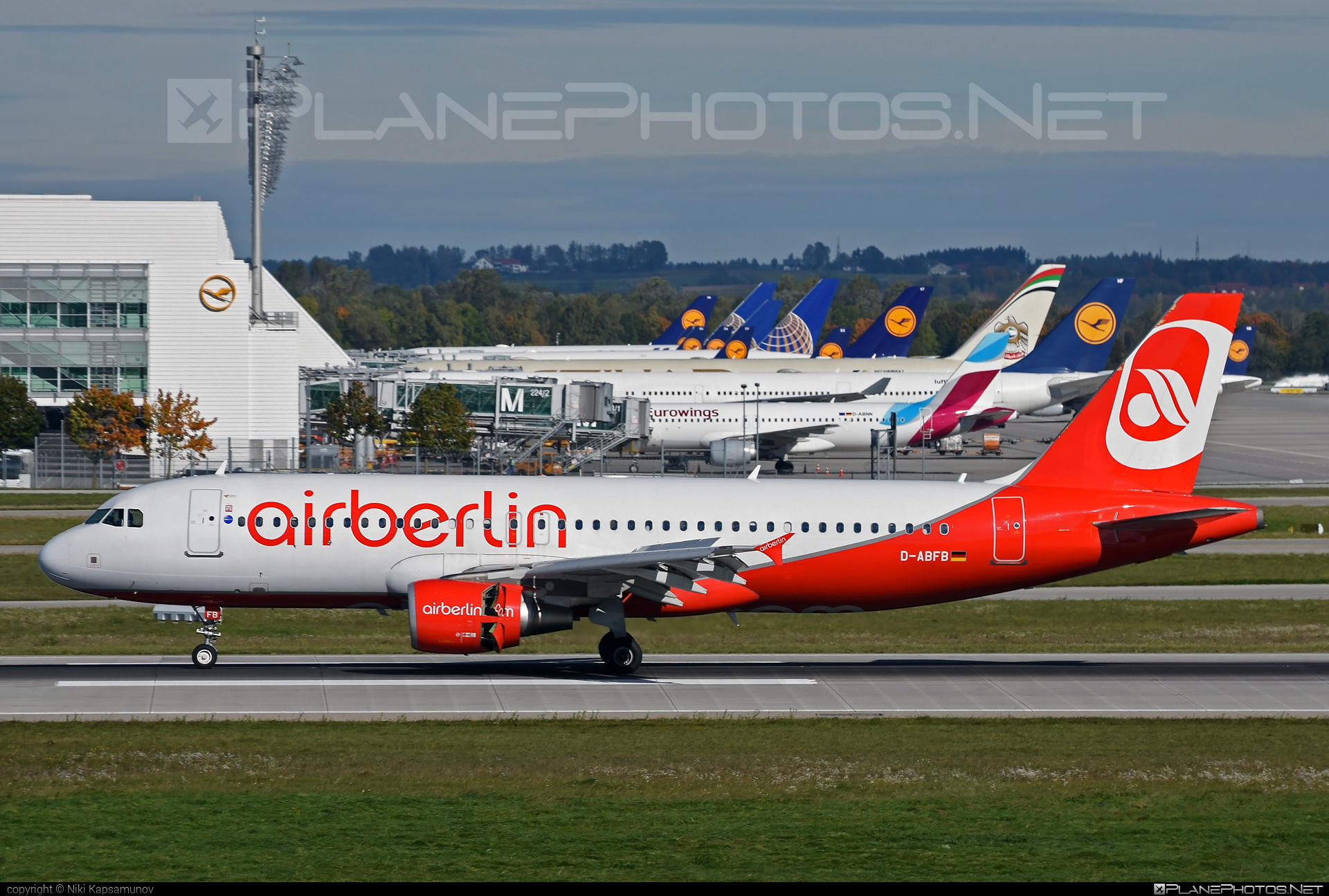 Airbus A320-214 - D-ABFB operated by Air Berlin #a320 #a320family #airberlin #airbus #airbus320