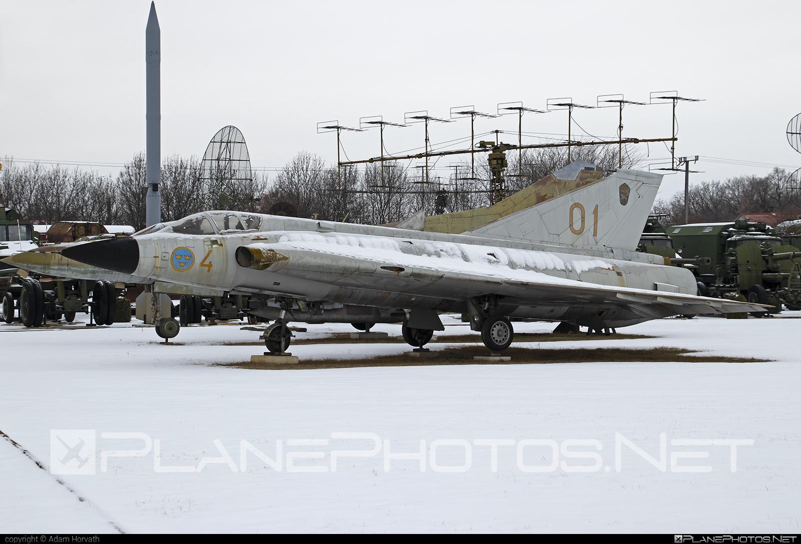 Saab J 35D Draken - 35371 operated by Flygvapnet (Swedish Air Force) #draken #flygvapnet #j35ddraken #saab #saab35 #saabdraken #saabj35d #saabj35ddraken #saabj35draken #swedishairforce