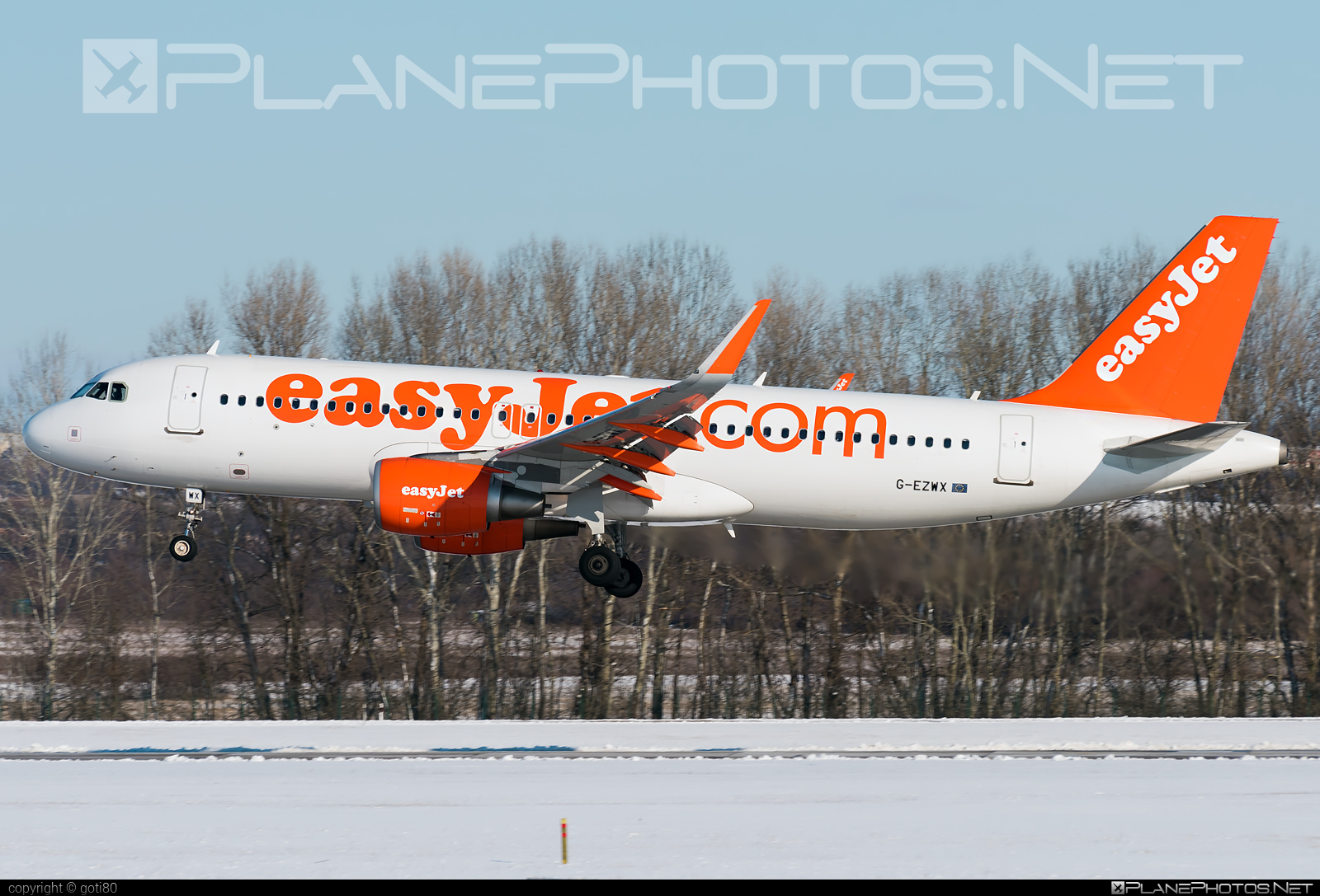 Airbus A320-214 - G-EZWX operated by easyJet #a320 #a320family #airbus #airbus320 #easyjet