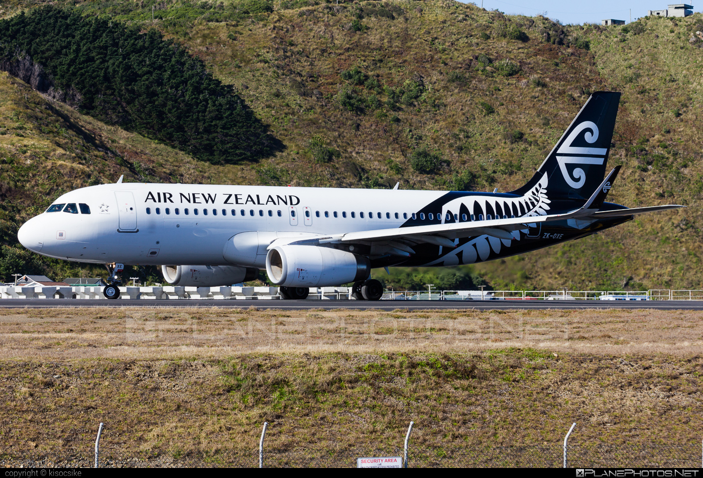Airbus A320-232 - ZK-OXE operated by Air New Zealand #a320 #a320family #airbus #airbus320