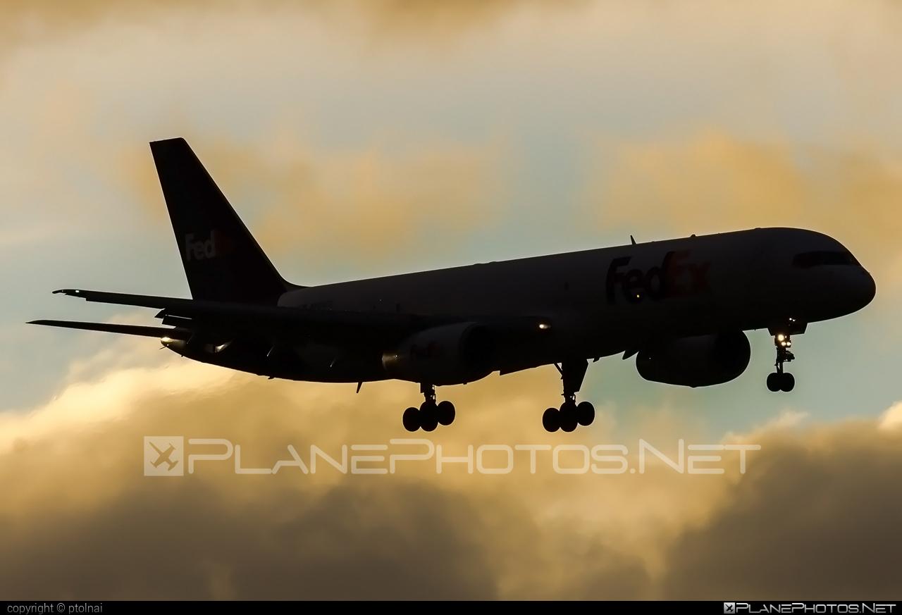 Boeing 757-200SF - N923FD operated by FedEx Express #b757 #boeing #boeing757 #fedex #fedexairlines #fedexexpress
